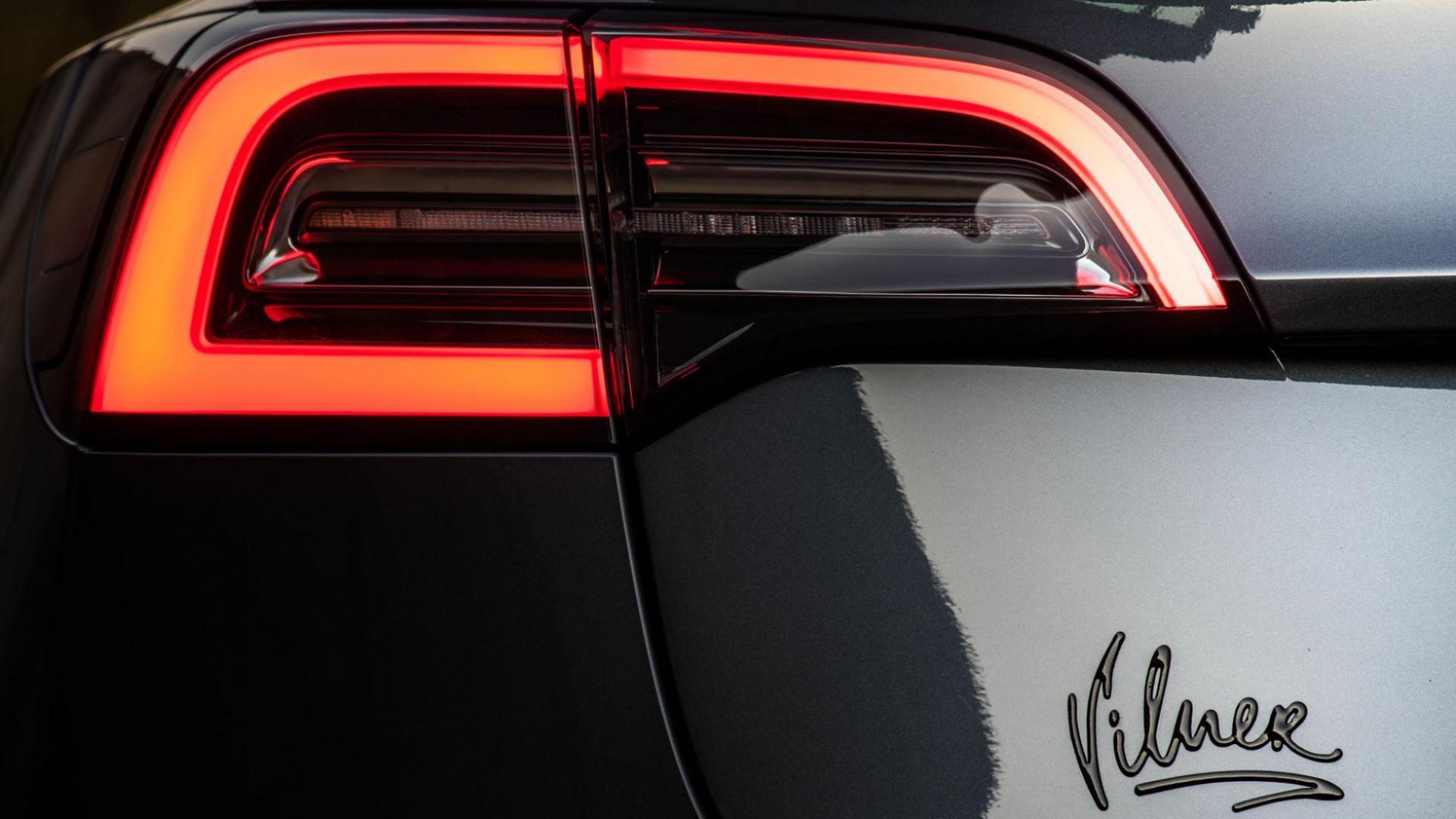 Tesla Model 3 Vilner detail achterlicht met Vilner badge