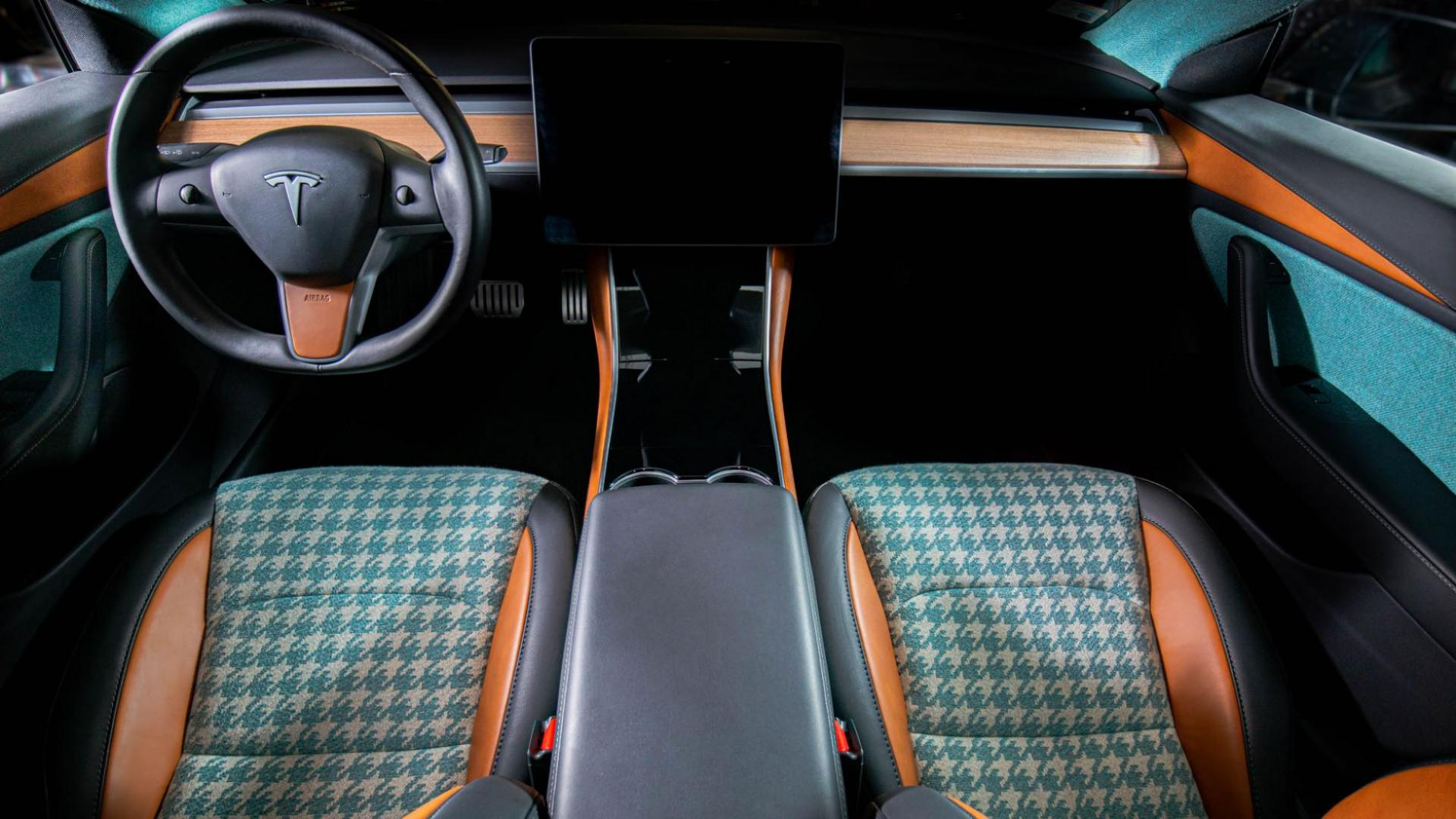 Tesla Model 3 Vilner interieur overzicht