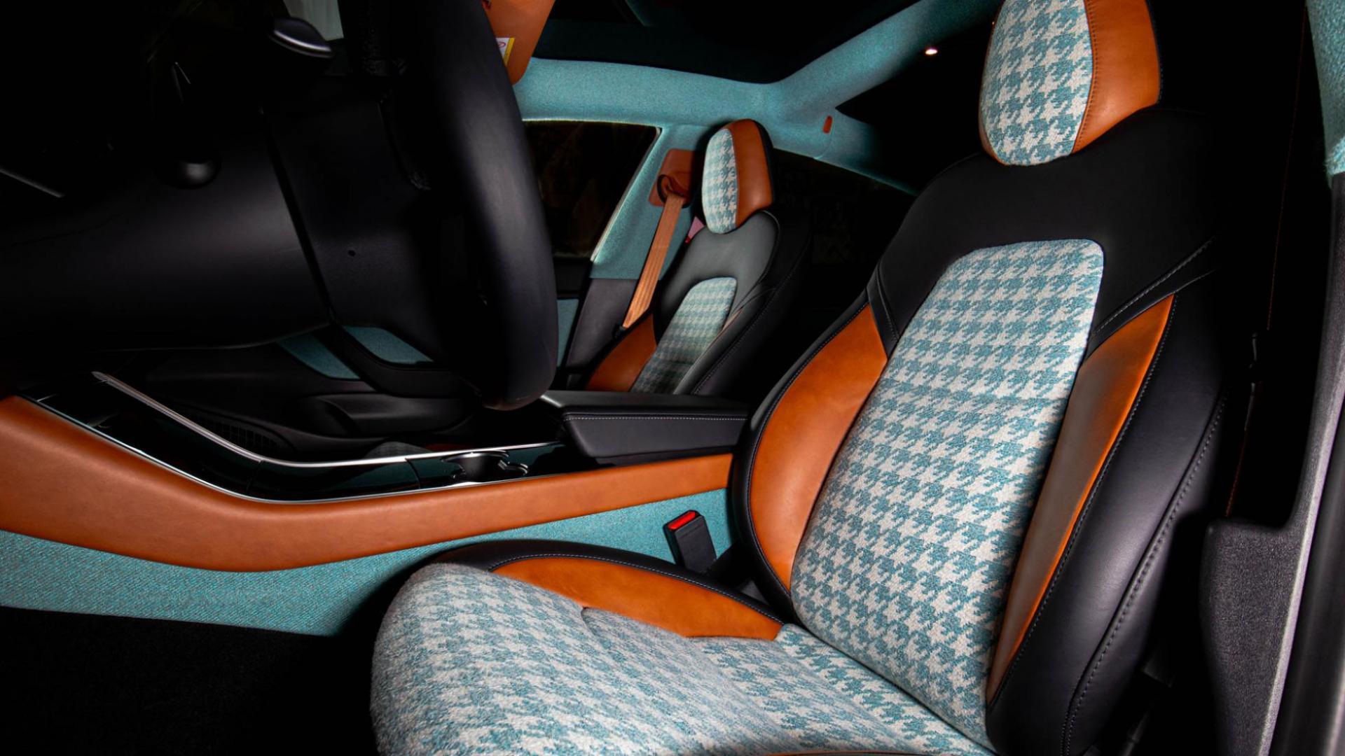 Tesla Model 3 Vilner interieur vanuit bestuurder