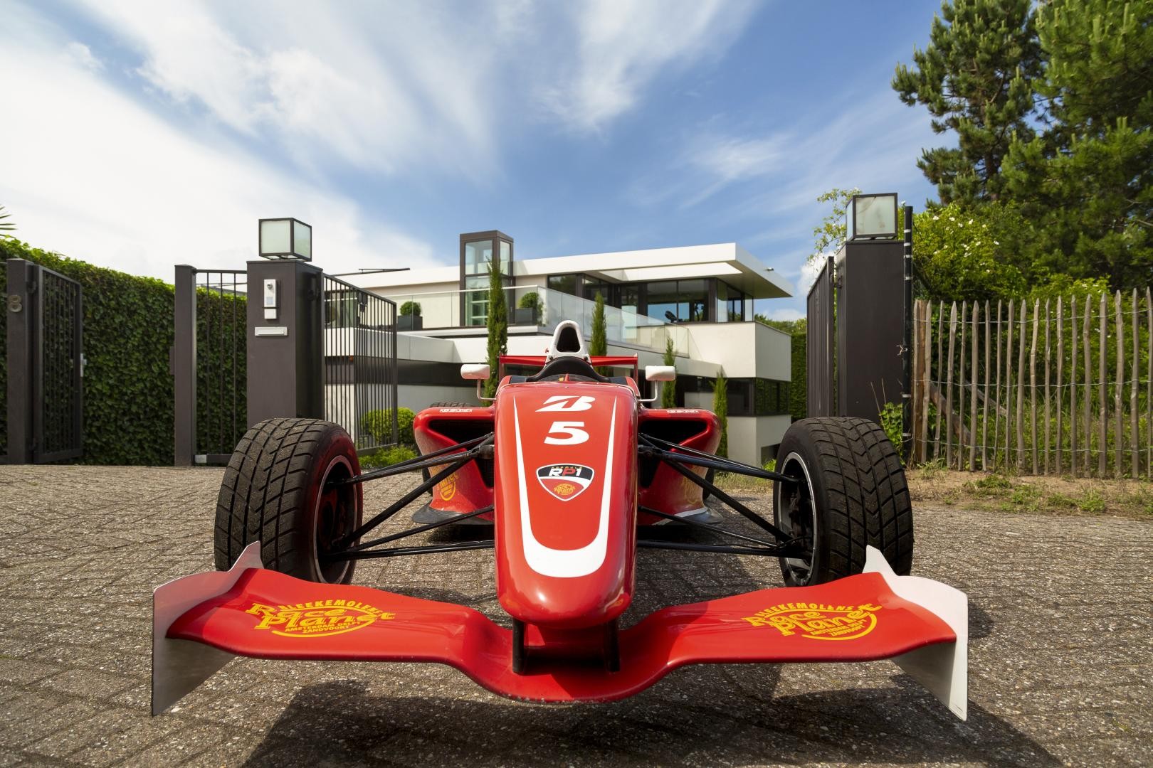 Villa Zandvoort FRP 1-auto op inrit voor zoomed