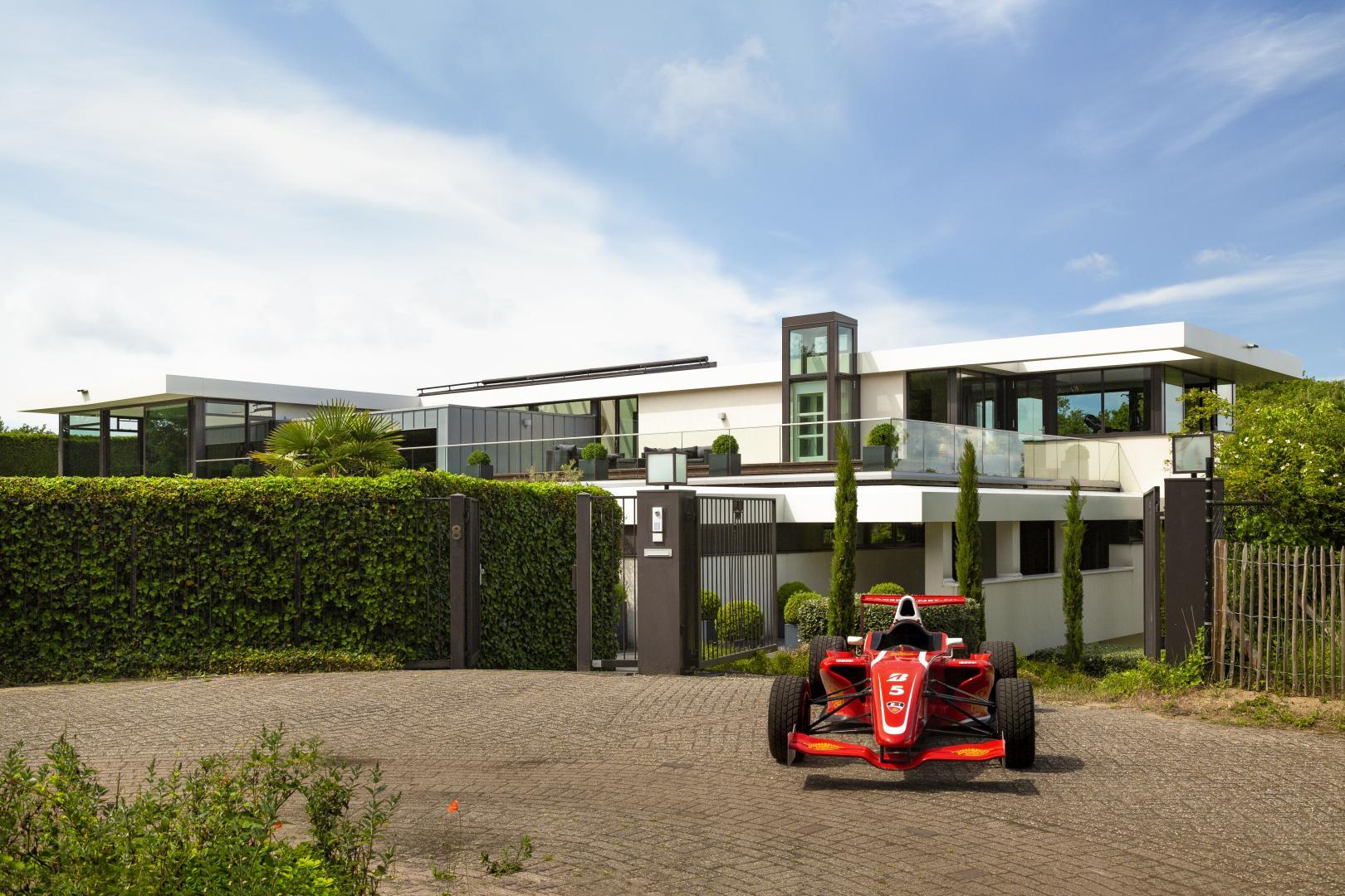 Villa Zandvoort FRP 1-auto op inrit voor