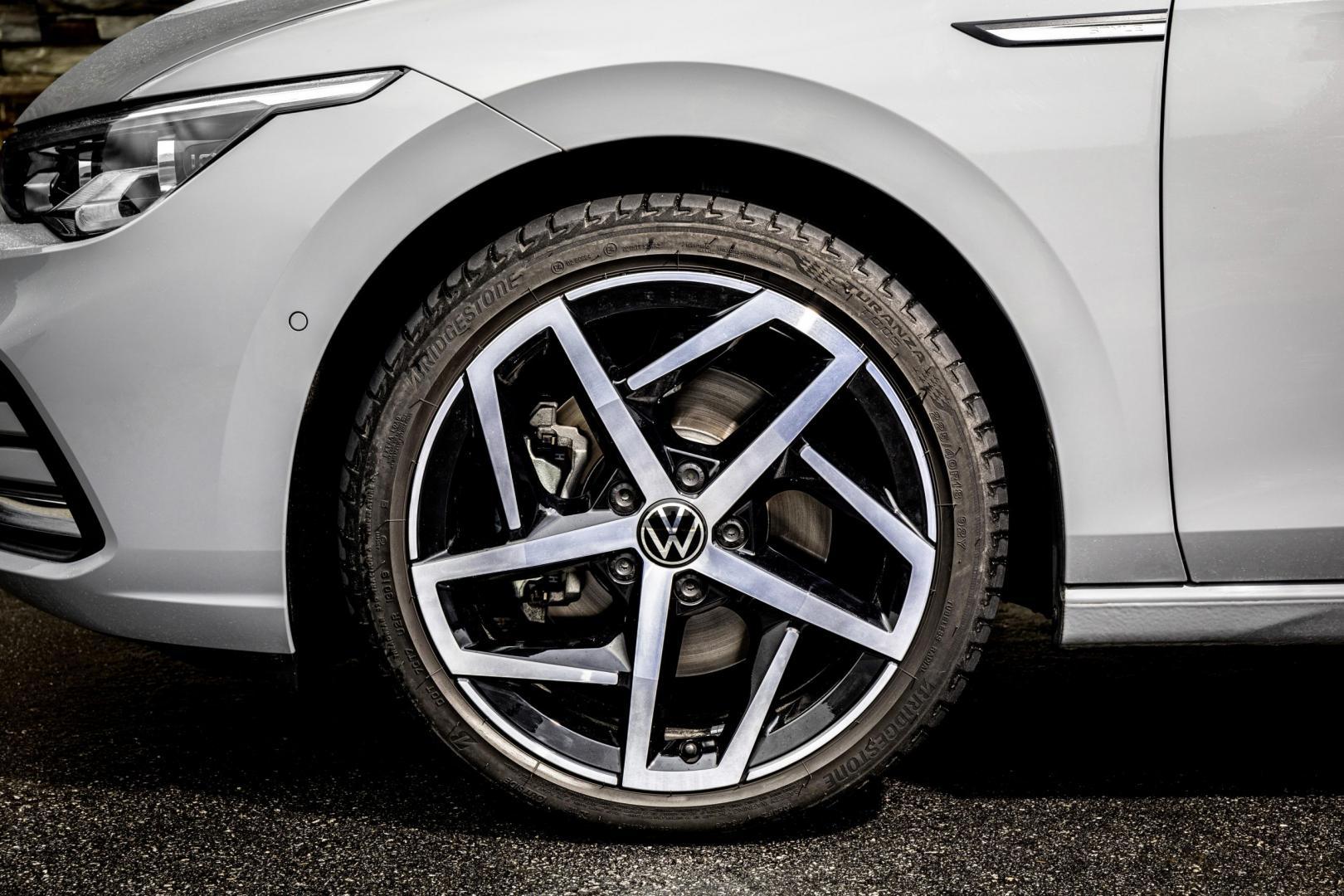 Volkswagen Golf 8 Volkswagen Golf 8 Grijs 1.5 TSIeGrijs 1.5 TSIe