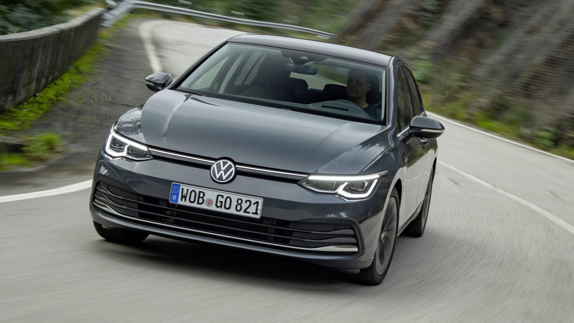 Volkswagen Golf 8 bocht driekwart