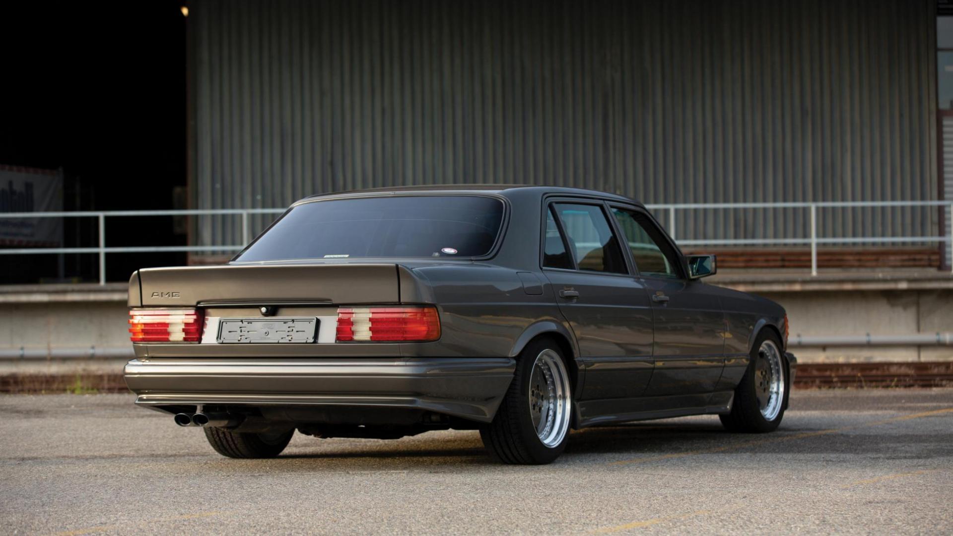 Mercedes 560 SEL AMG V8