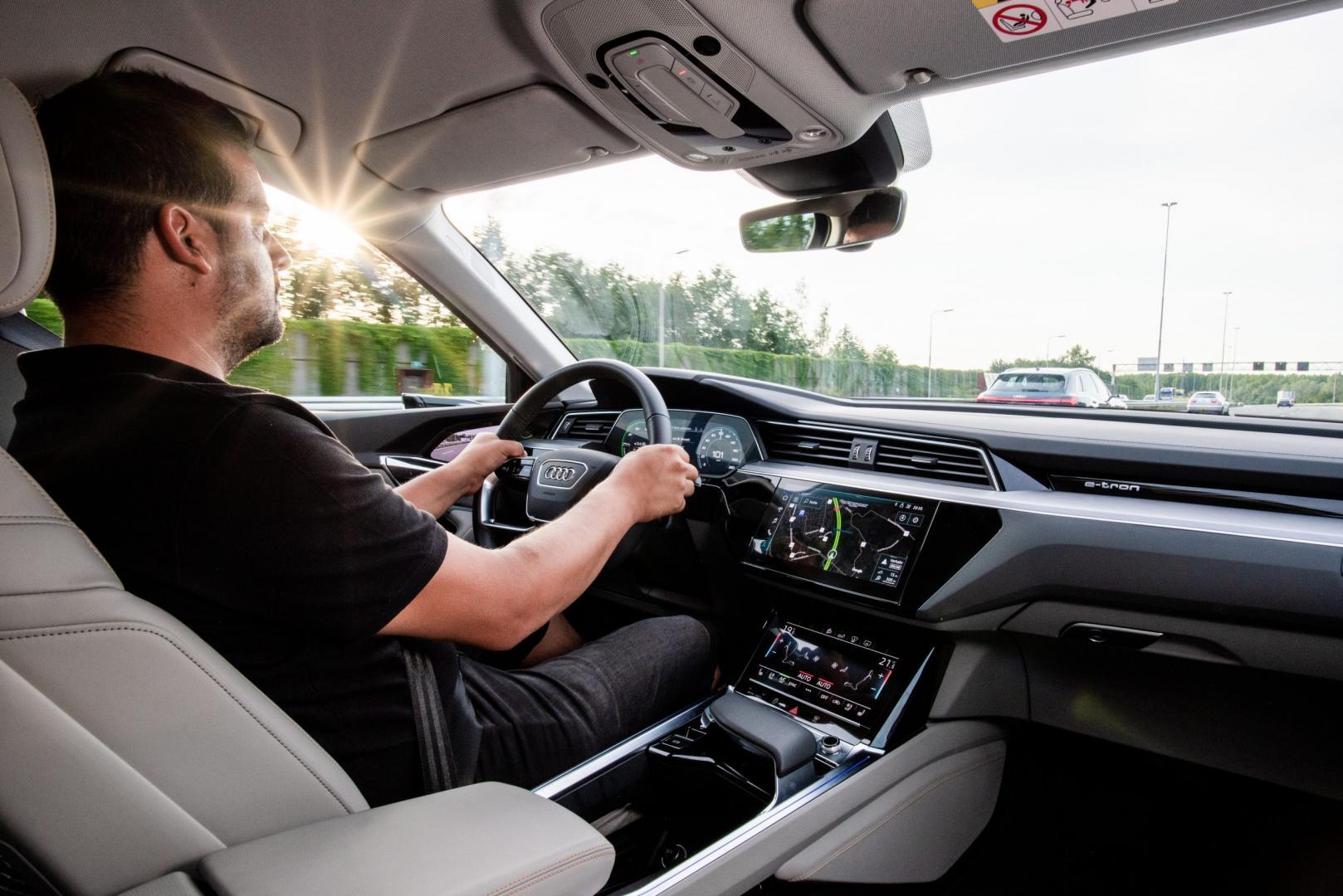Audi e-tron op de snelweg