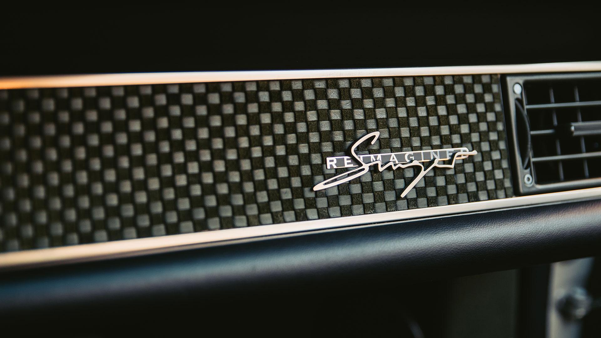 Nederlandse Singer Porsche 911 Dashboard Badge Logo