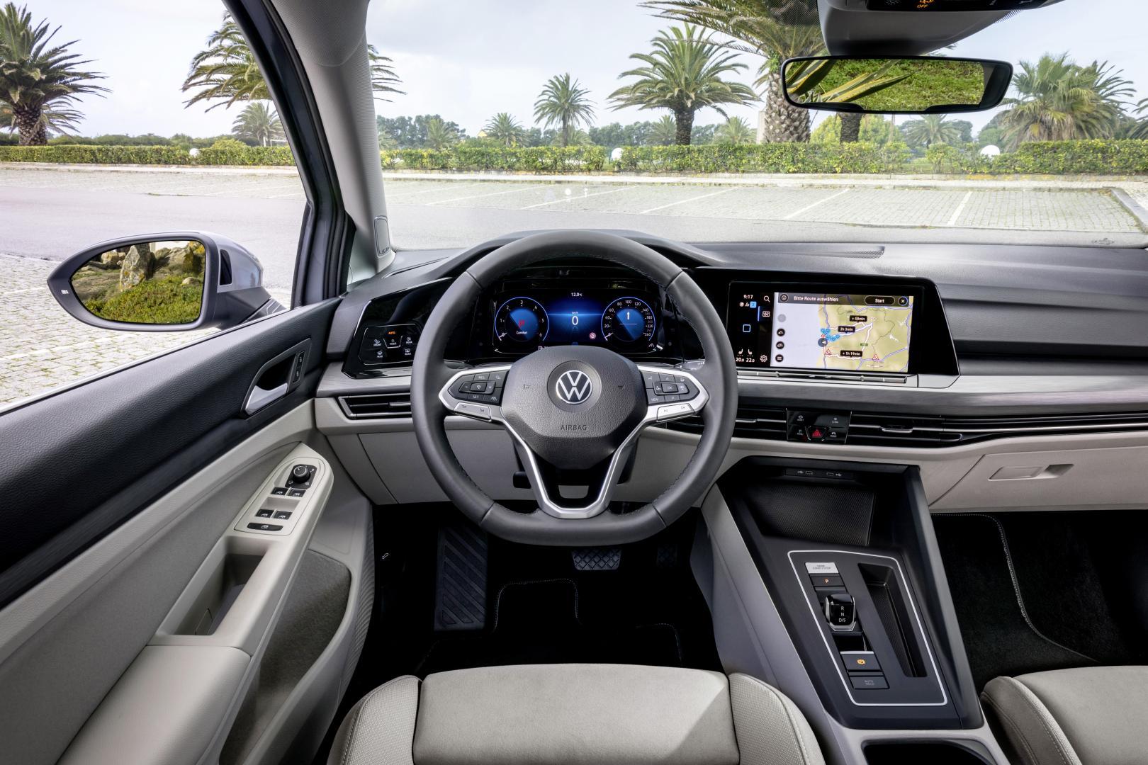 Volkswagen Golf 8 wit interieur dashboard