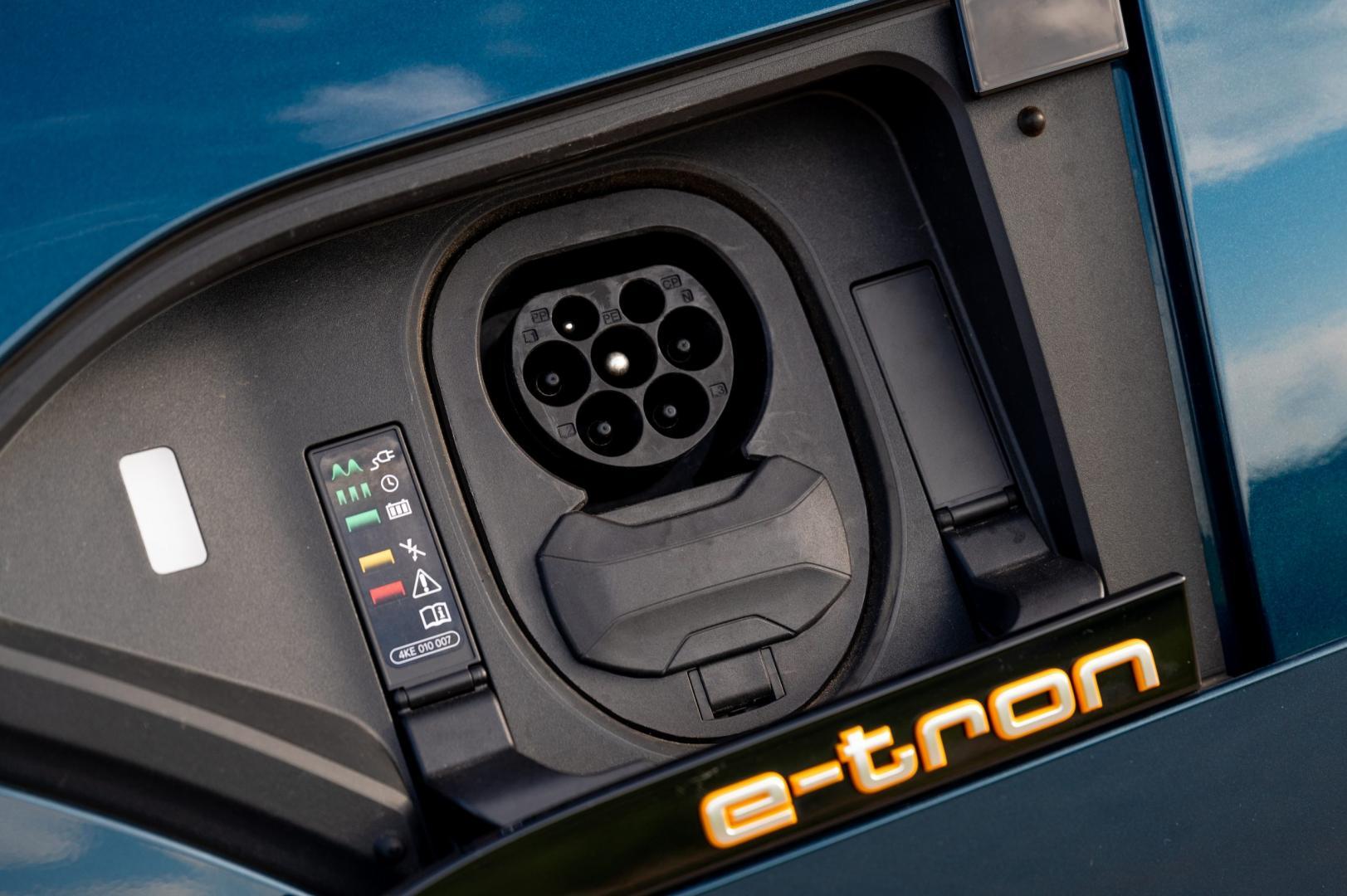 Laadaansluiting Audi e-tron