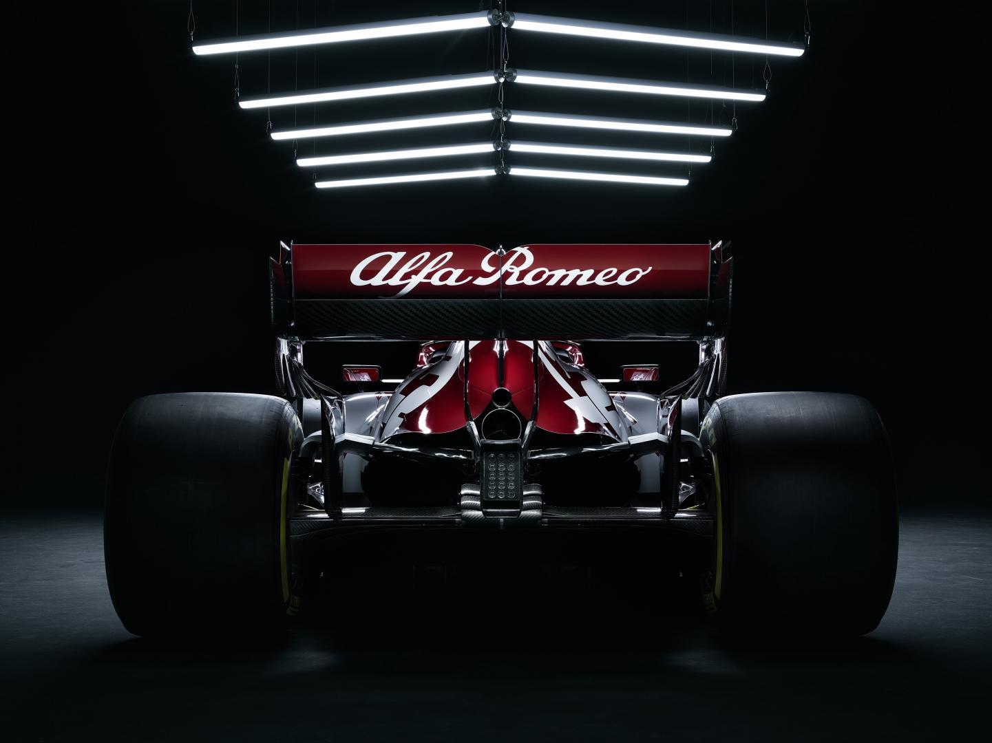 Alfa Romeo F1 auto voor 2020 recht achter