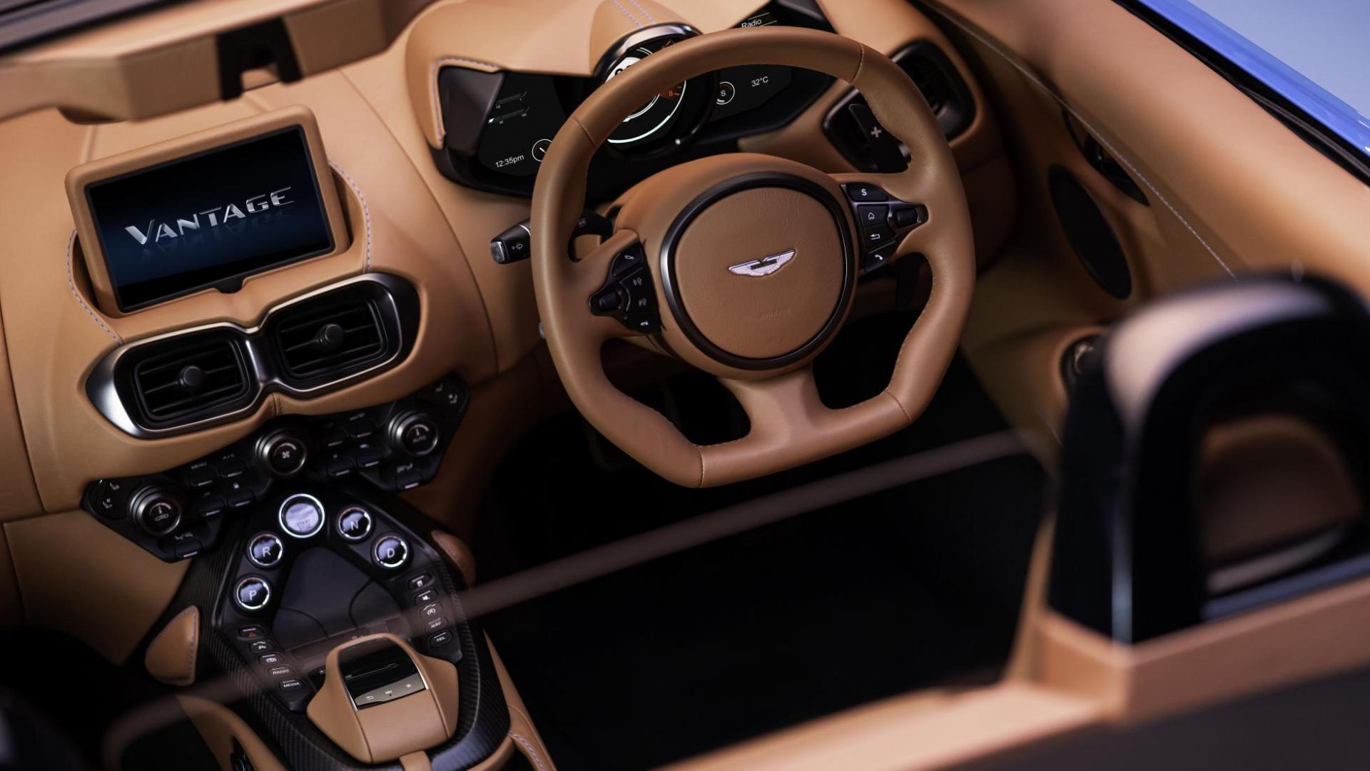 Aston Martin Vantage Roadster stuur van boven