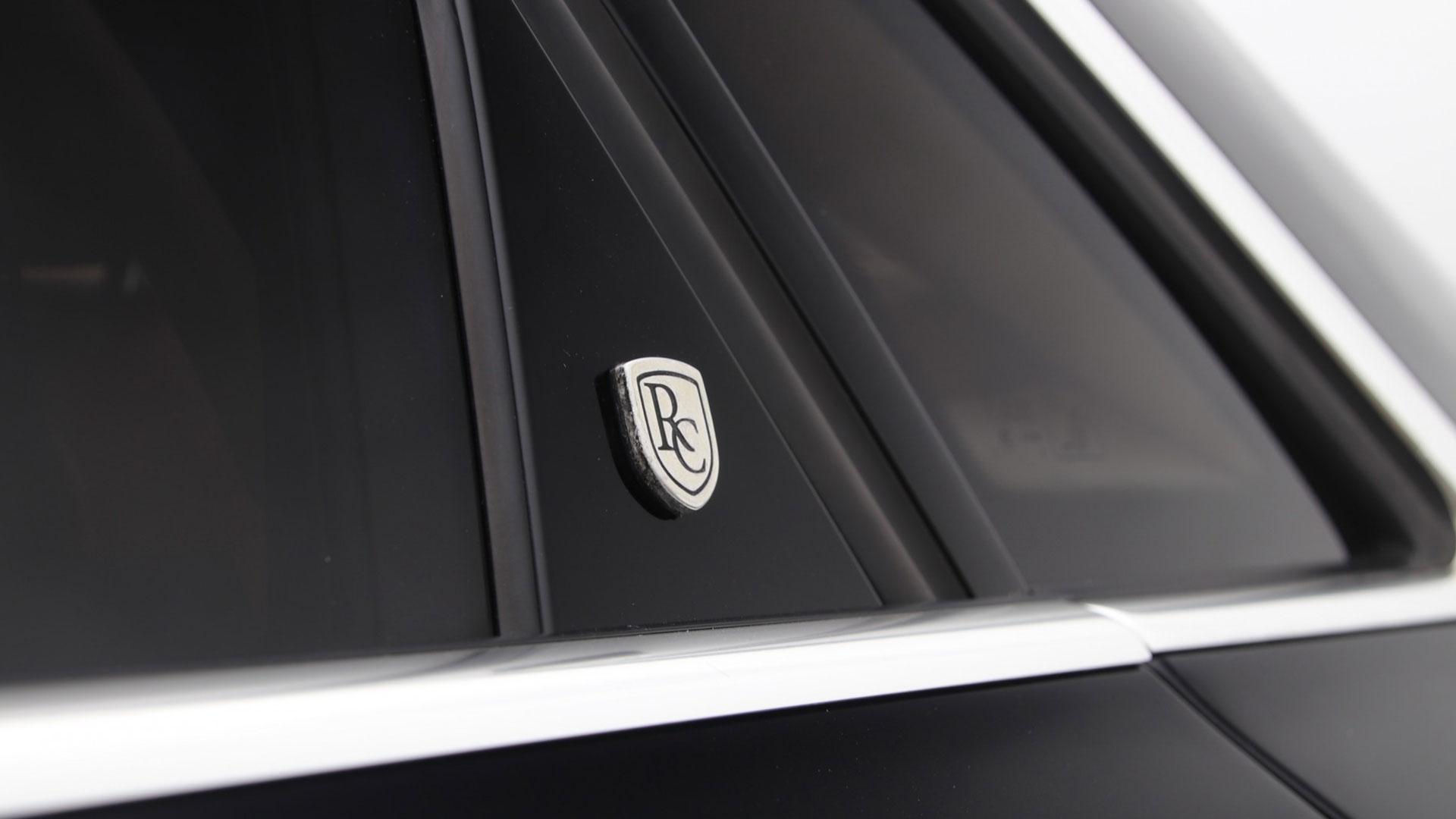 Remetzcarlogo op de Audi A8 Limousine van