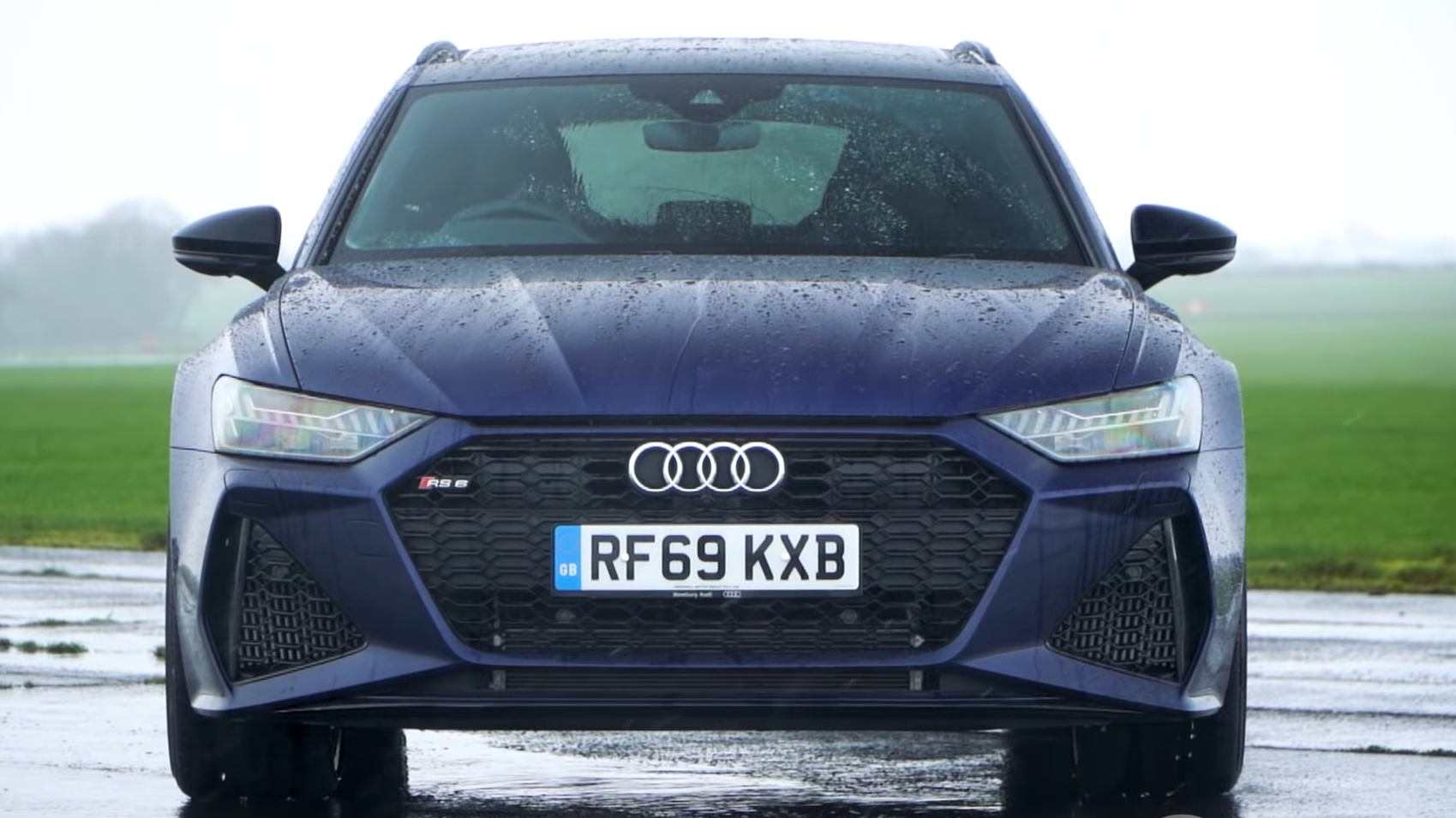 Audi RS6 Avant C8 recht voor