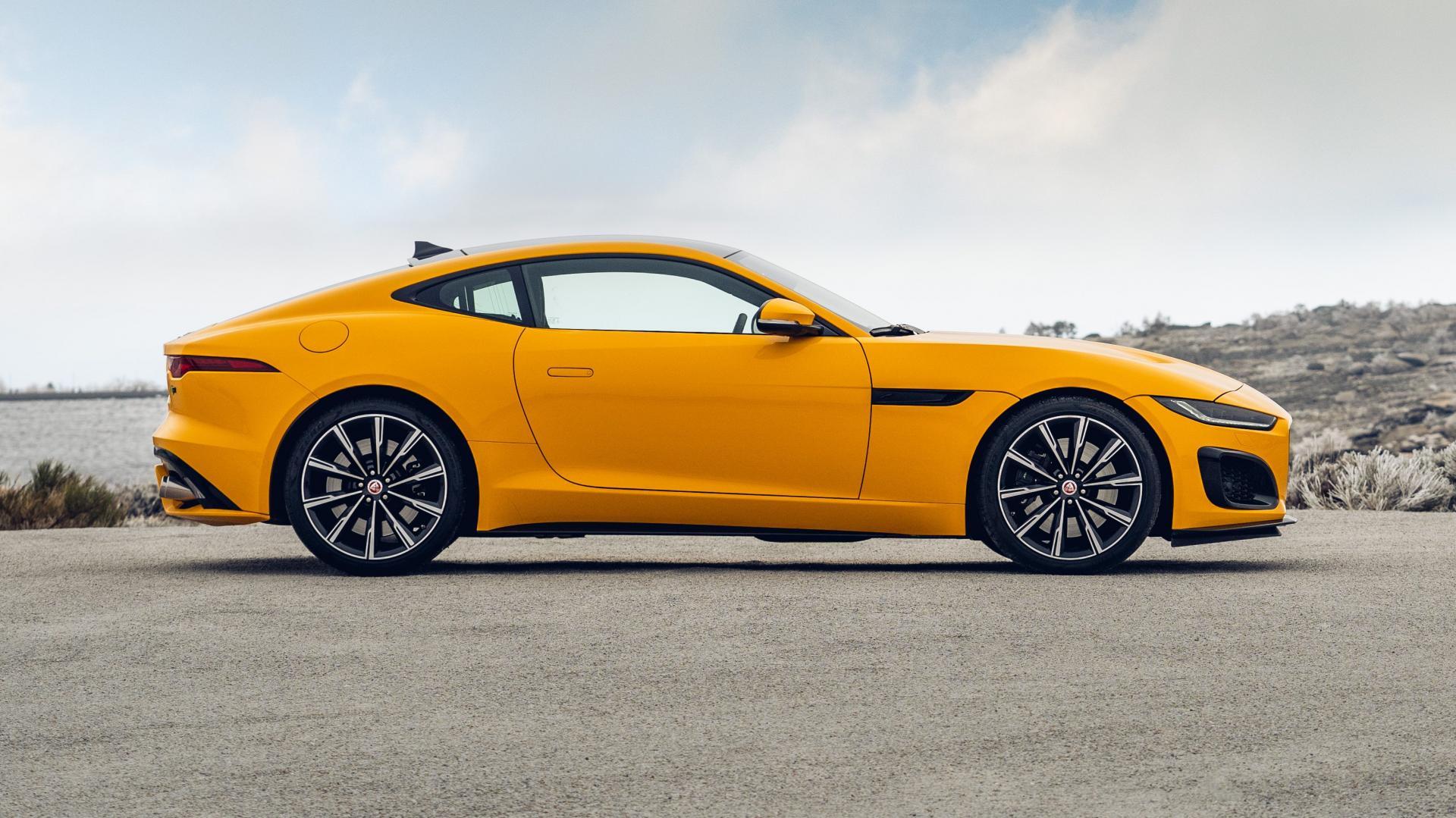 Jaguar F-Type R zijkant