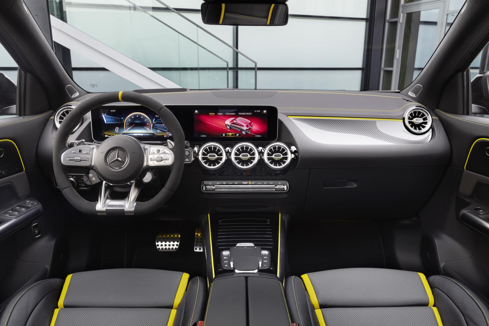 Mercedes-AMG GLA 45 S interieur