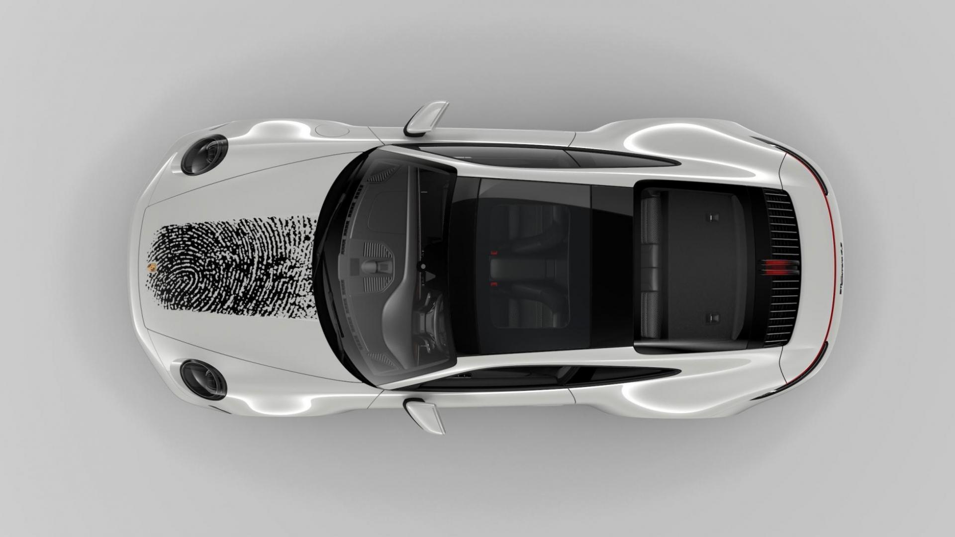 Porsche 911 met vingerafdruk