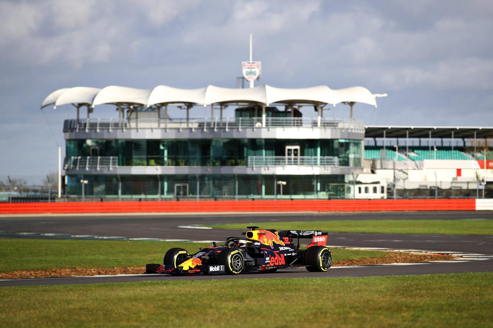 RB16 rijder shake down Silverstone