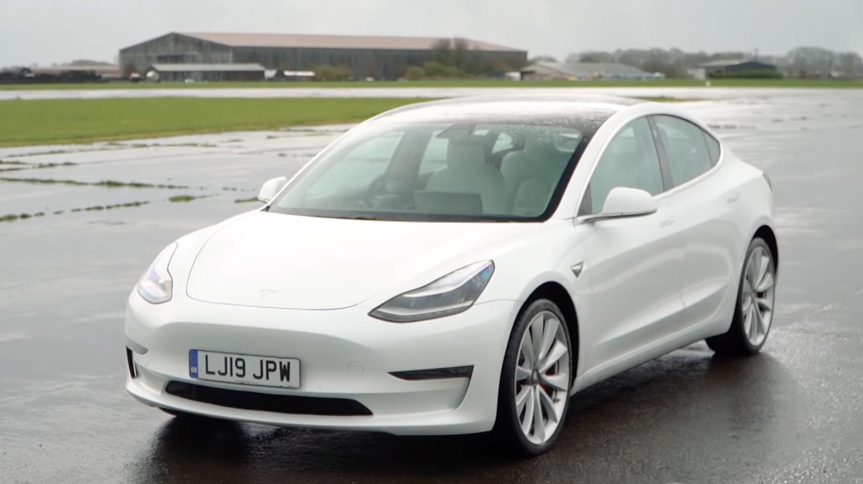 Tesla Model 3 Performance 3 4 voor