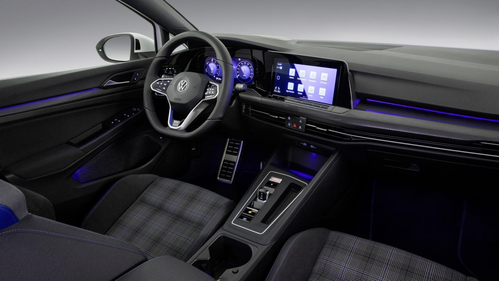 Volkswagen Golf 8 GTE interieur 2020