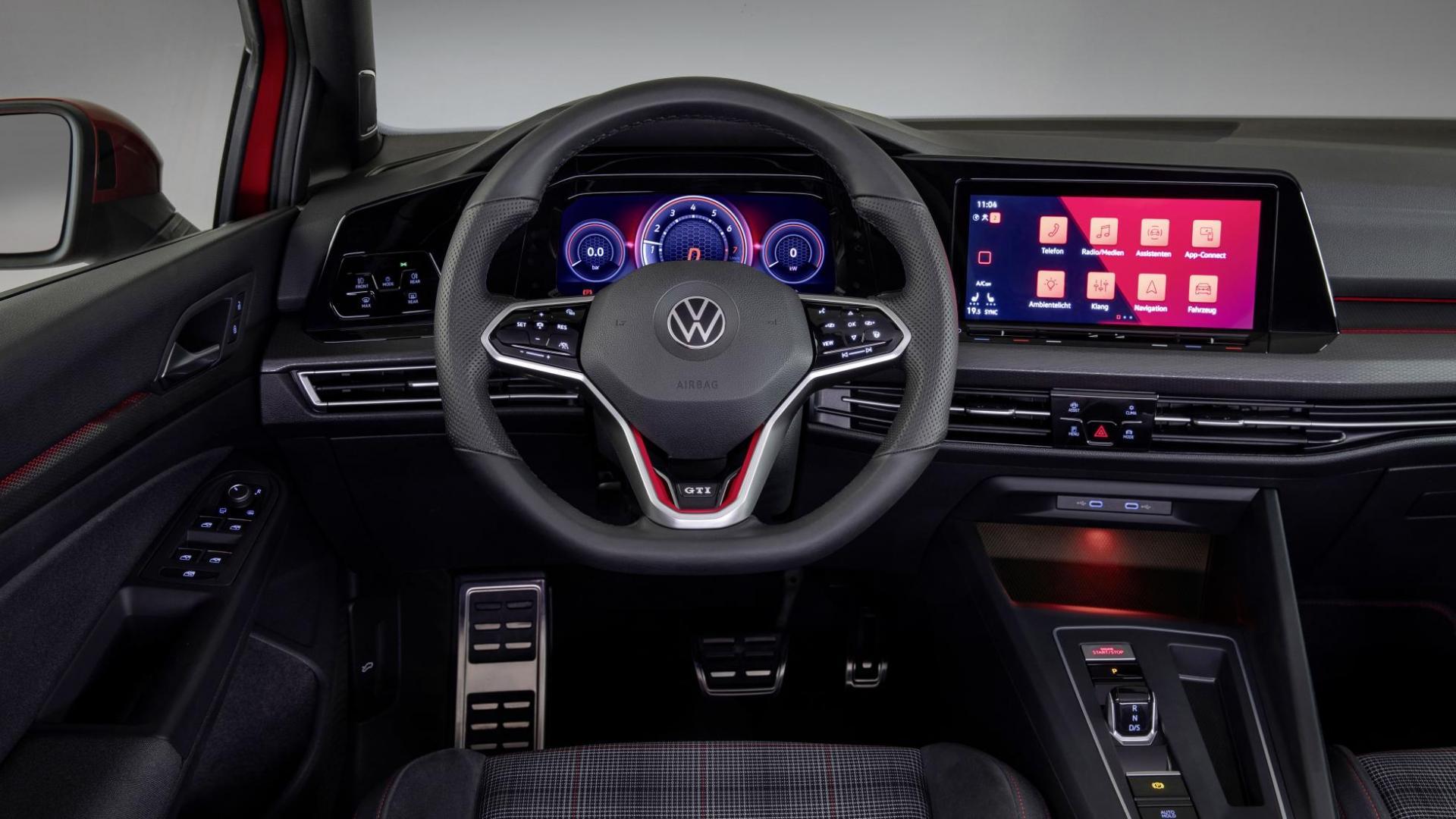 Volkswagen Golf 8 GTI 2020 interieur en stuur