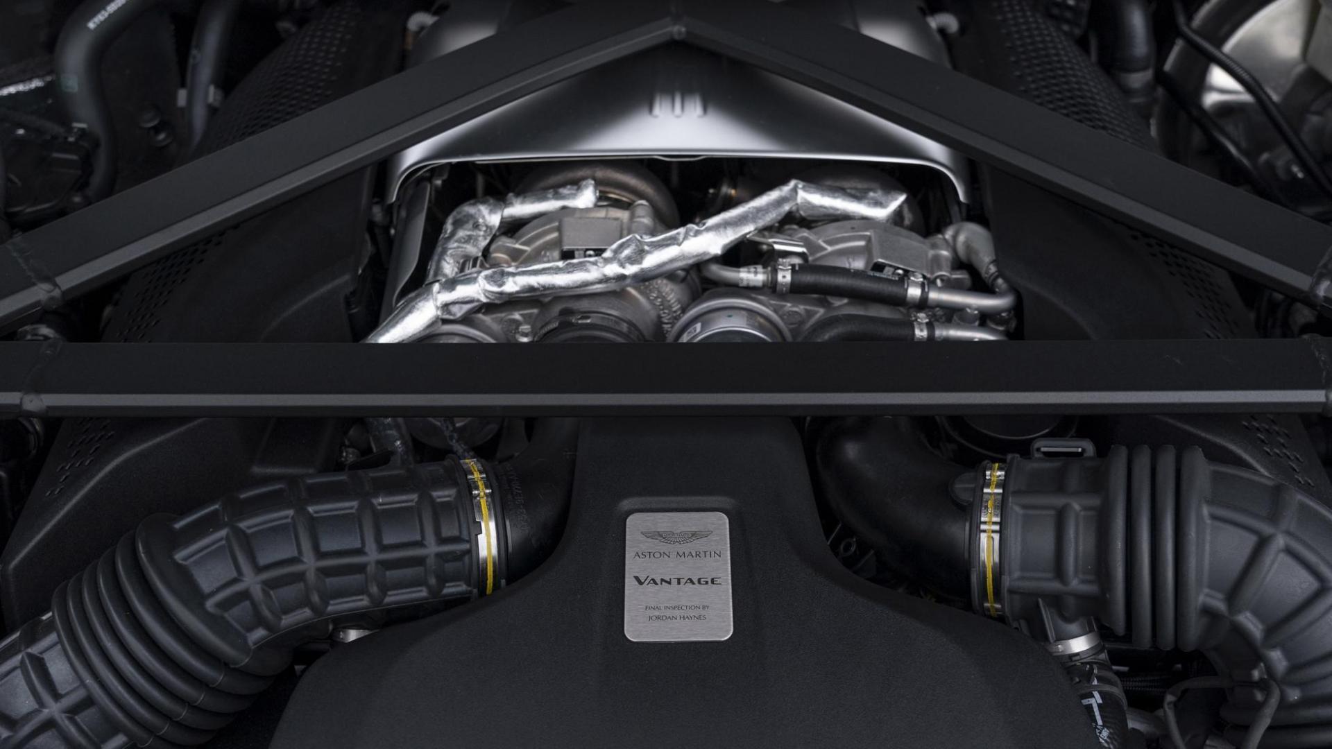 Aston Martin Vantage AMR Motor V8