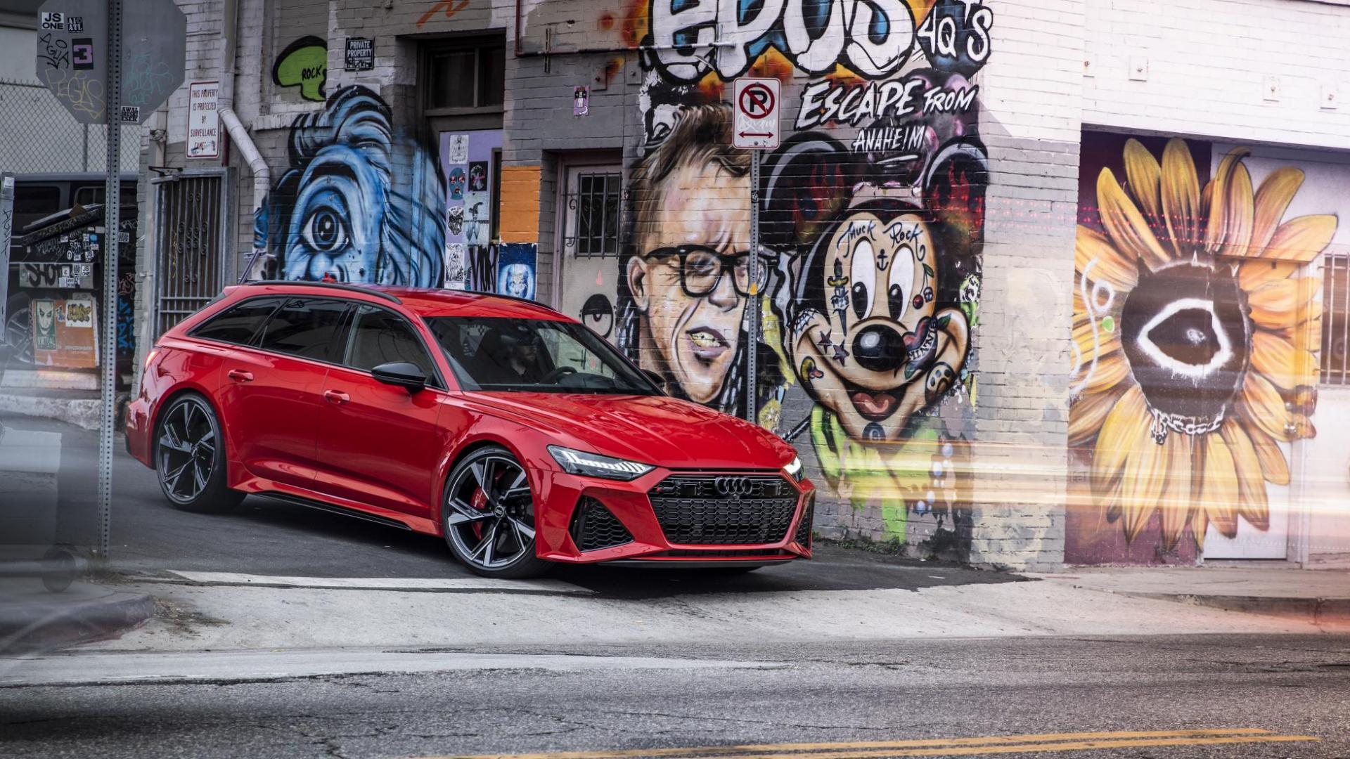Audi RS 6 Avant C8 2020 in steegje