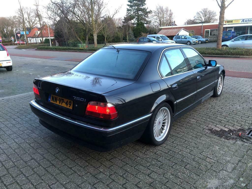 BMW 7-serie 750i goedkoopste V12 3 4 achter