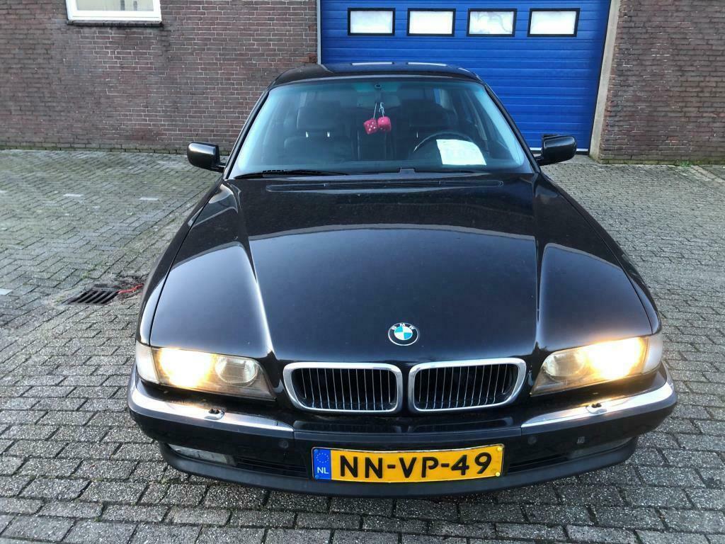 BMW 7-serie 750i goedkoopste V12 recht voor