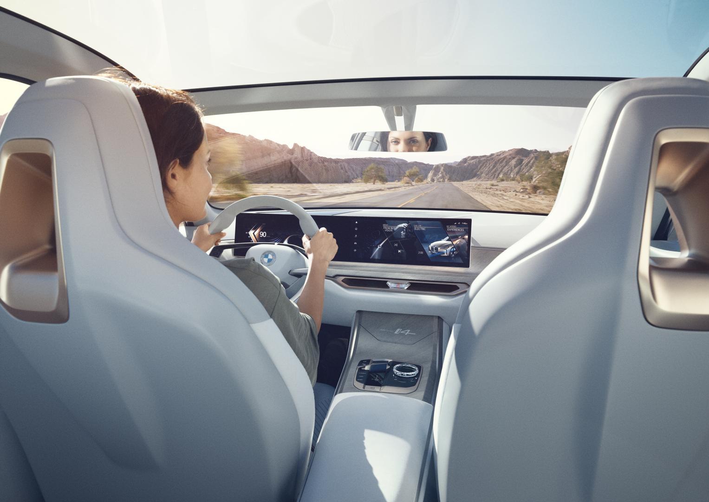 BMW i4 Concept dashboard stuur