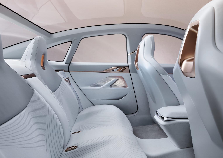 BMW i4 Concept Interieur Achterbank
