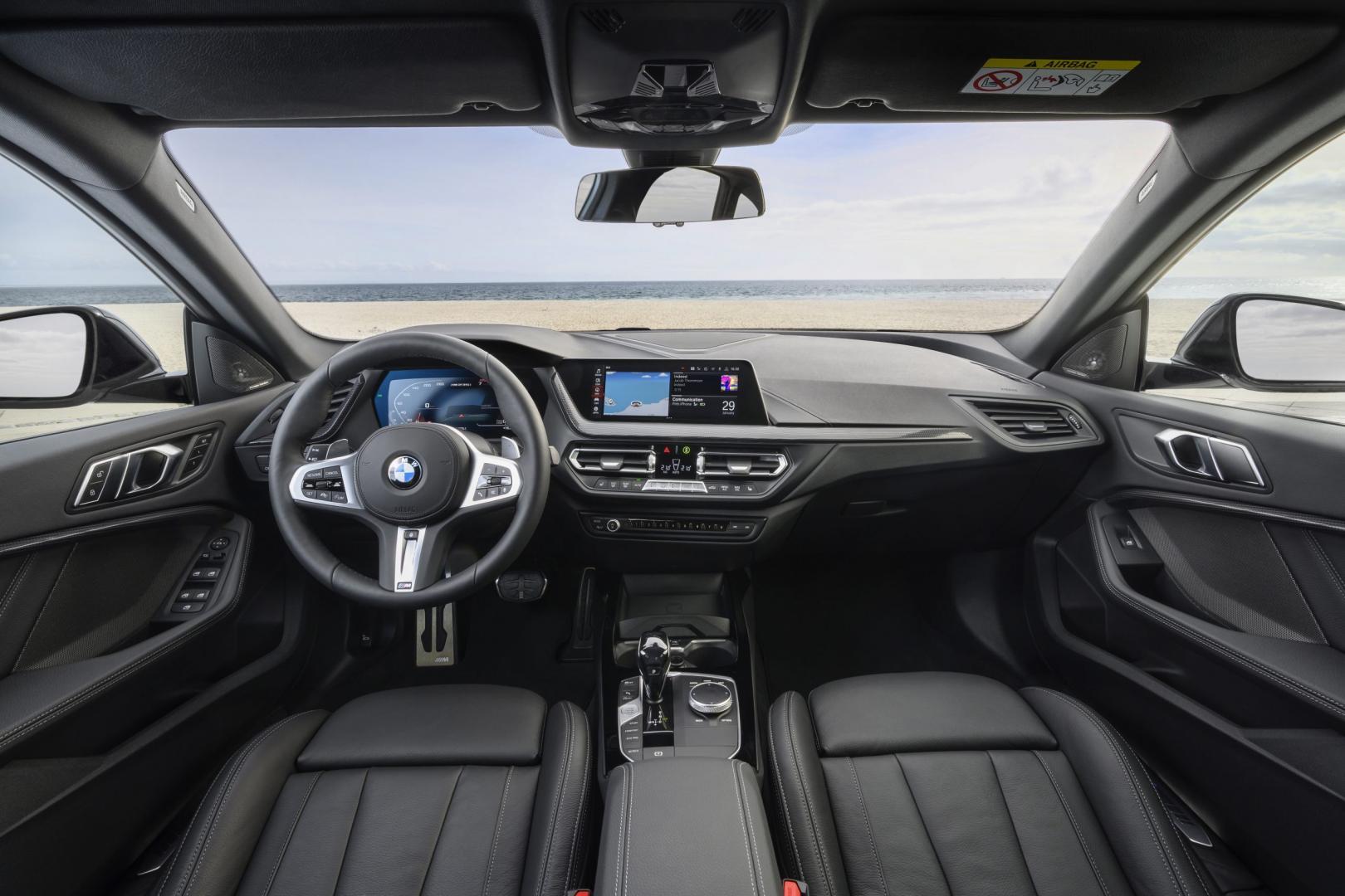 aDashboard BMW M235i xDrive