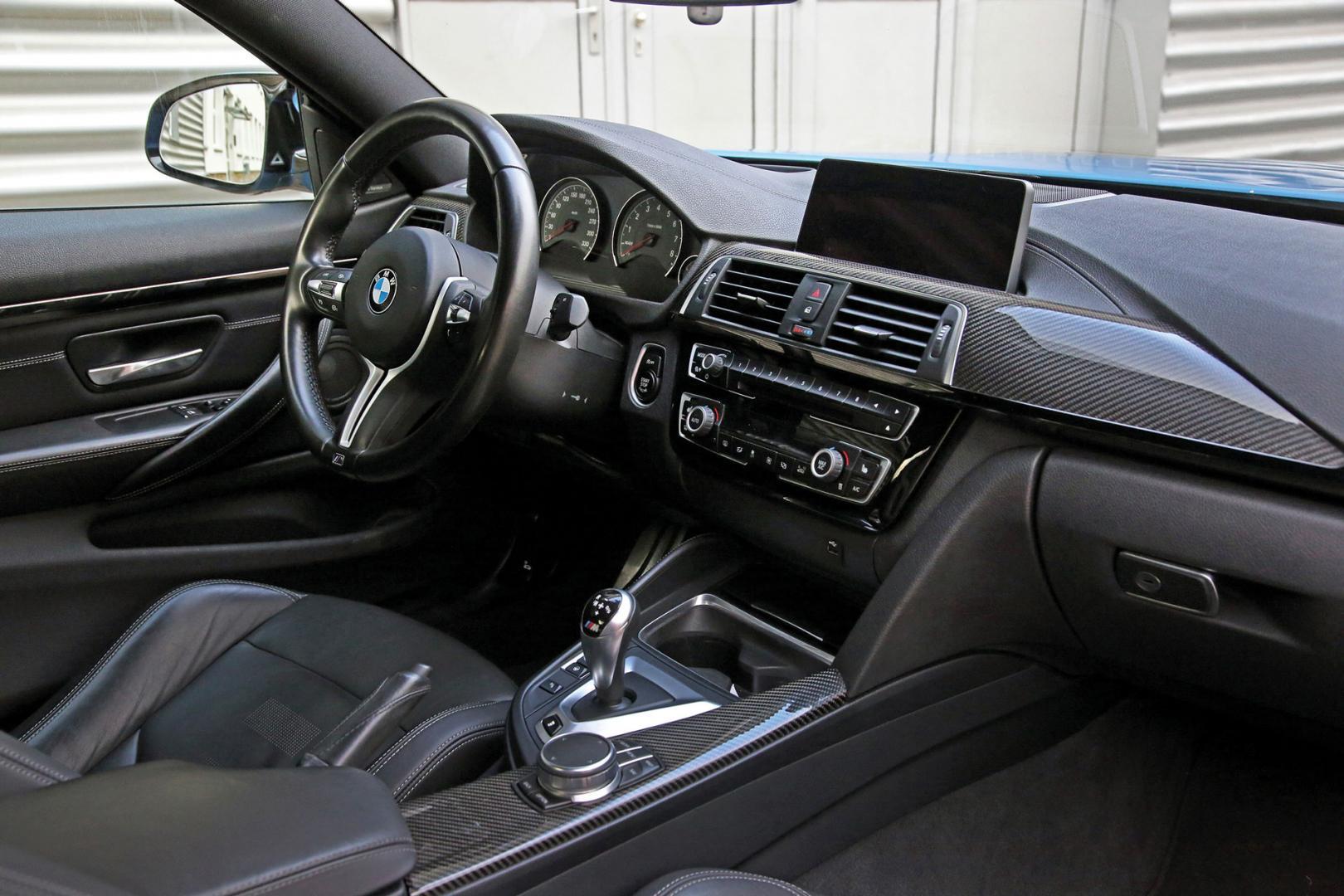 Interieur BMW M4 met V8