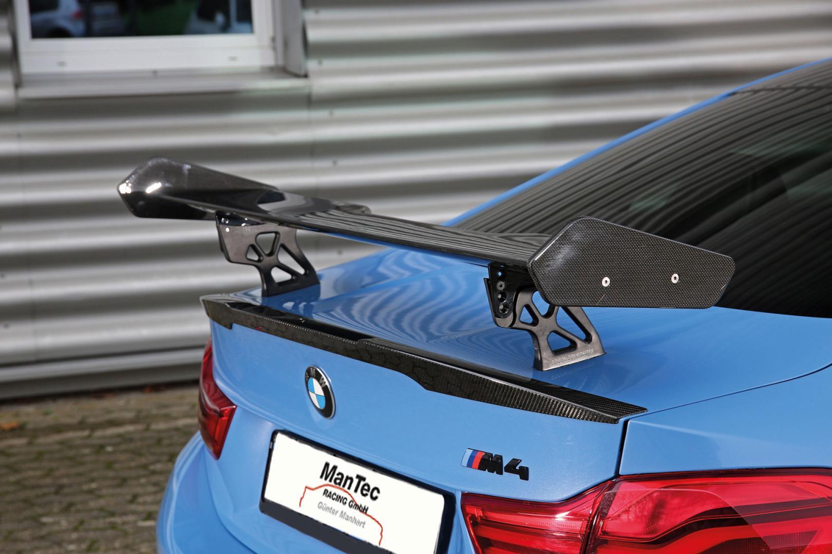 BMW M4 met biturbo V8