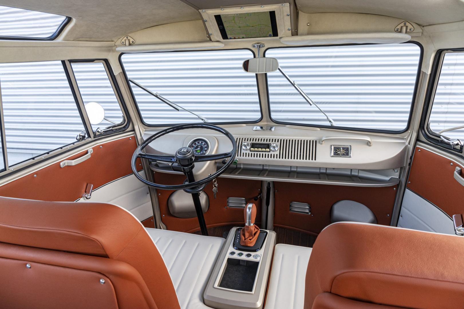 aInterieur Volkswagen T1 door eClassics