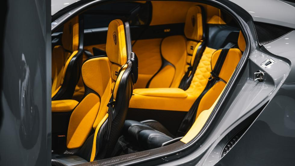 Koenigsegg Gemera interieur