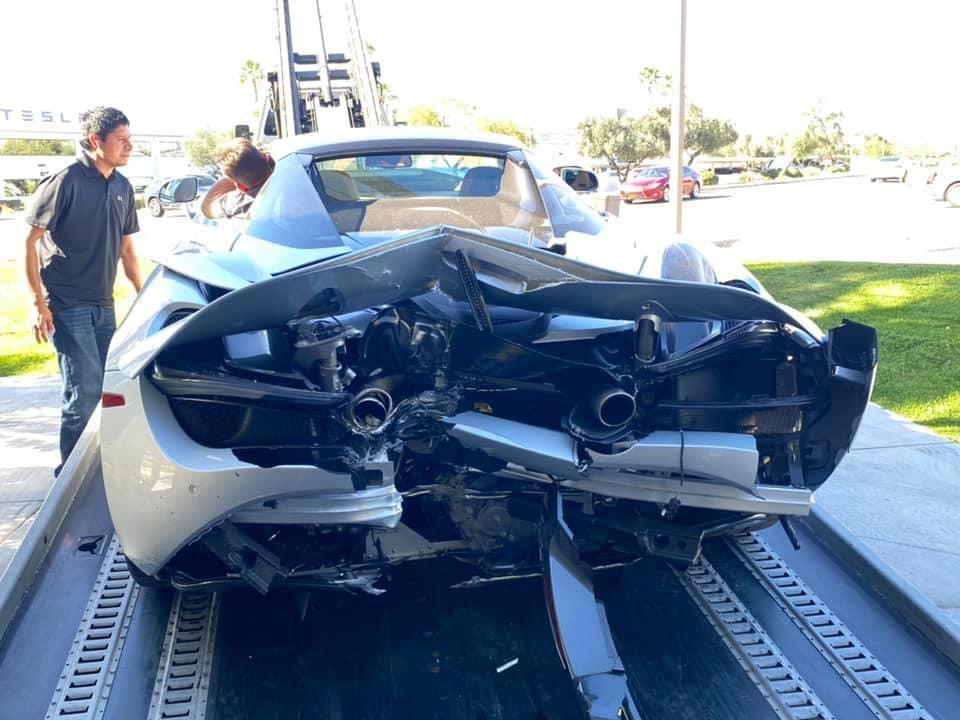 McLaren 720S Crash