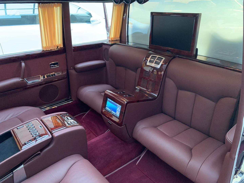 Mercedes 600 Pullman Maybach (W100)