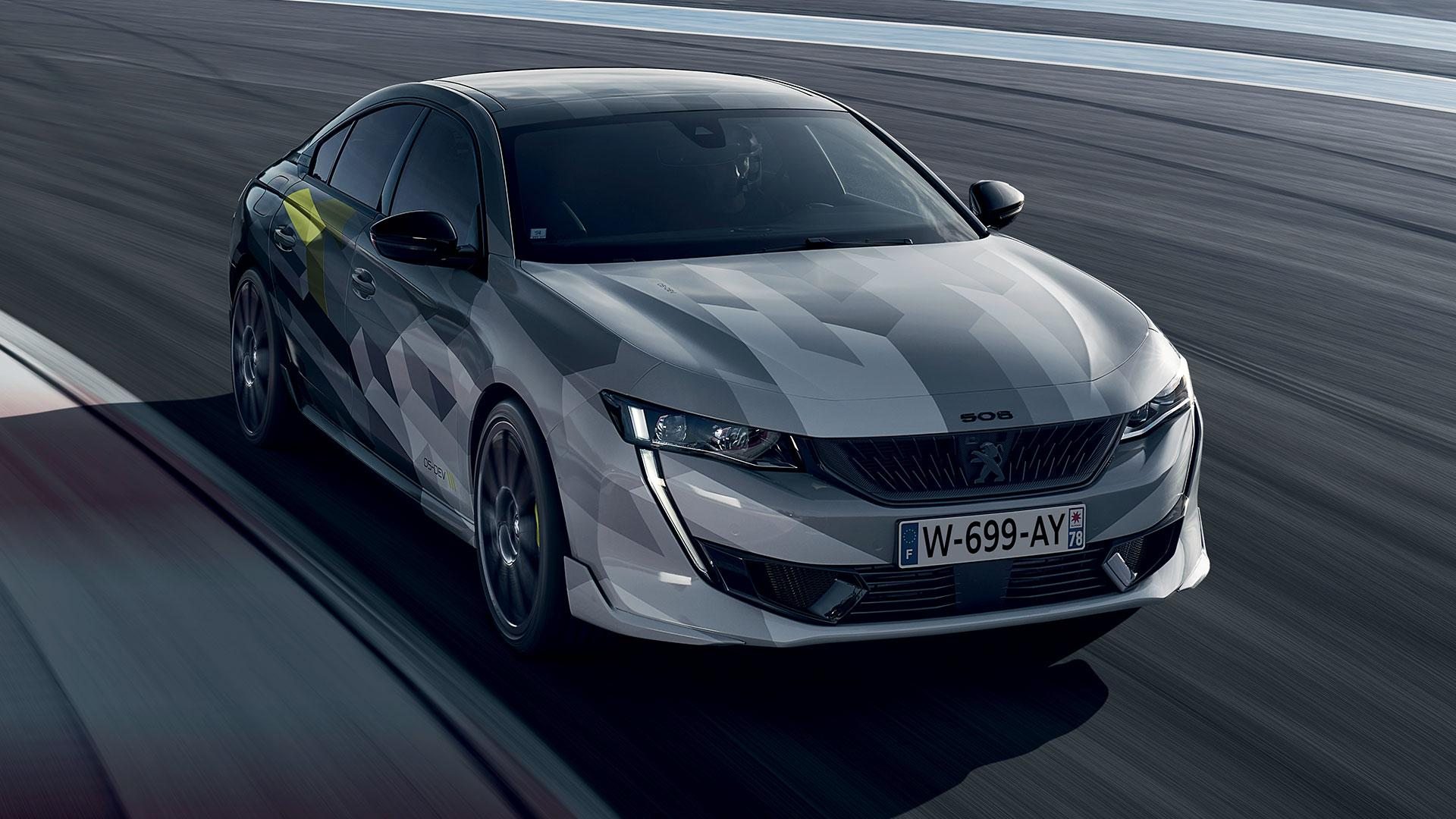 Peugeot 508 Sport Engineered op circuitPeugeot 508 Sport Engineered op circuit