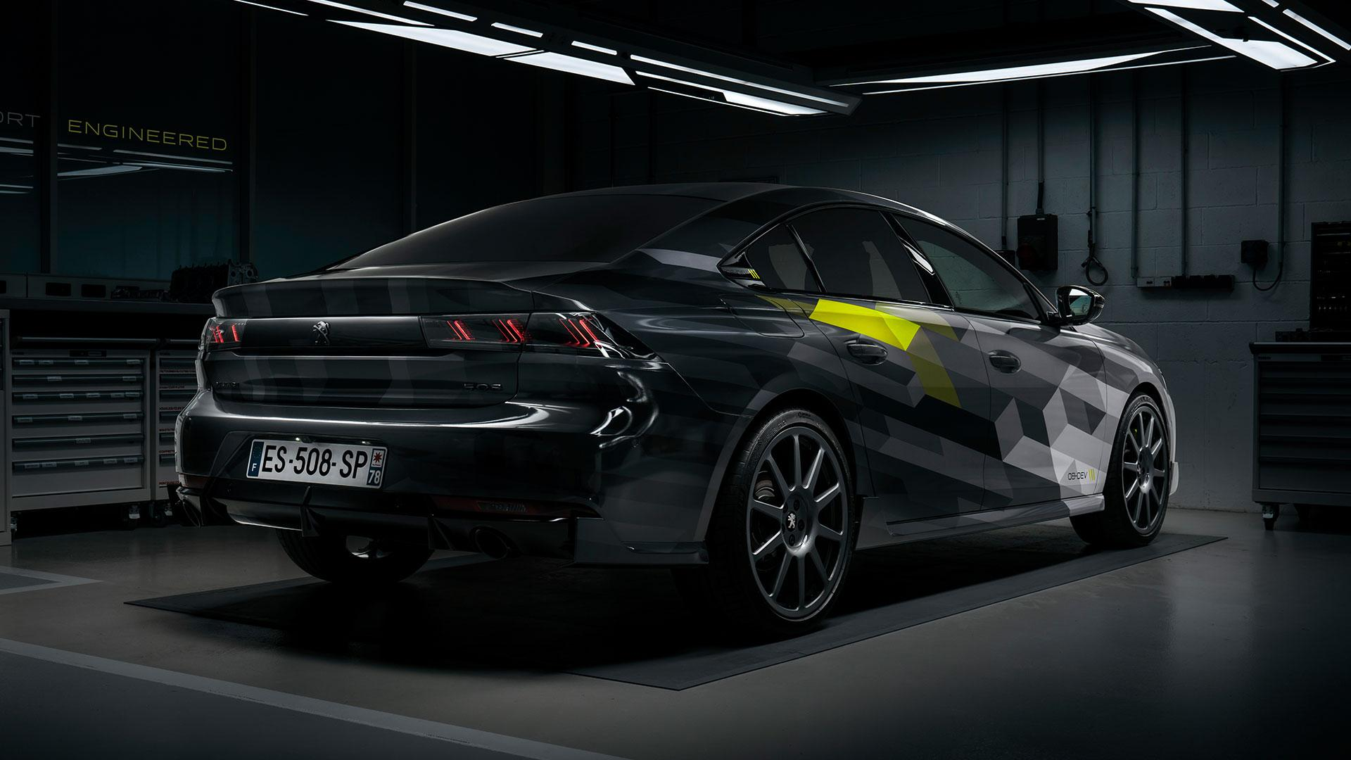 Peugeot 508 Sport Engineered in pitbox of garage