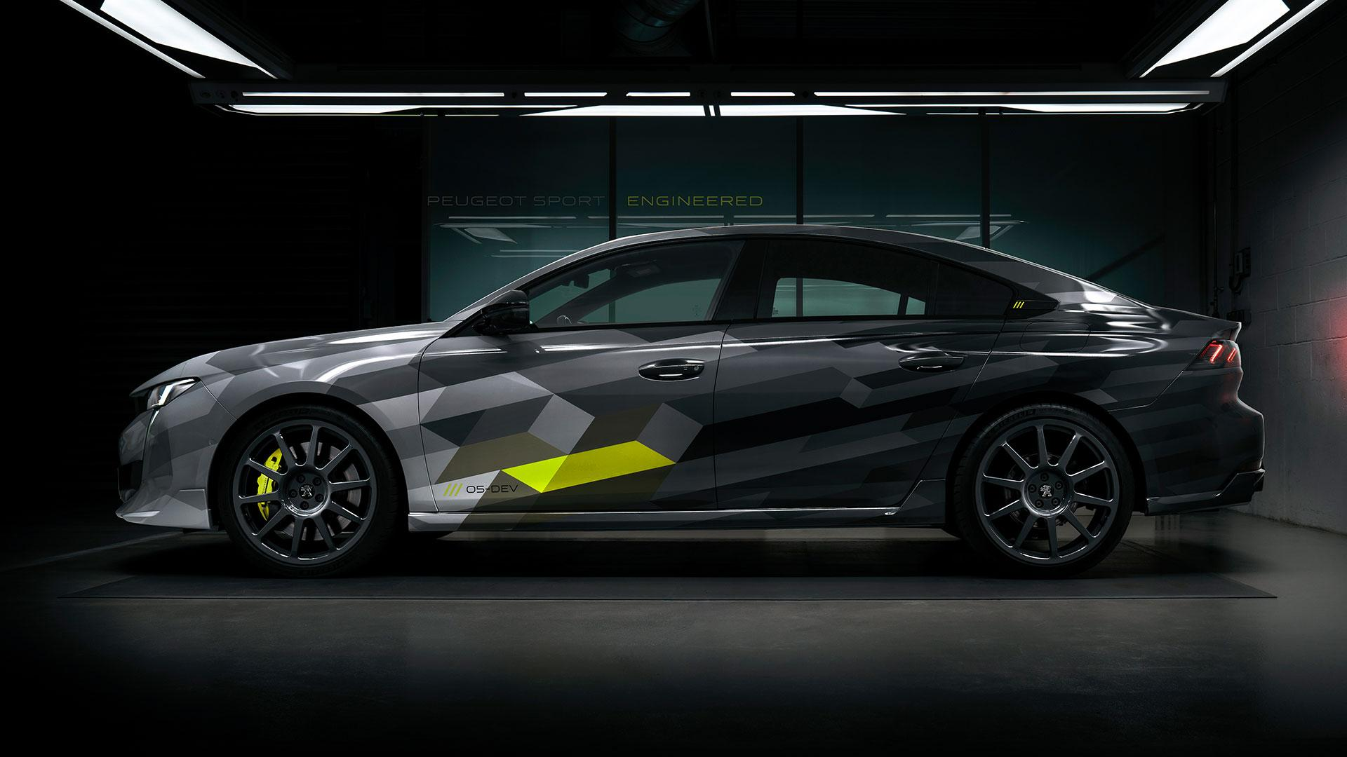 Peugeot 508 Sport Engineered in pitbox