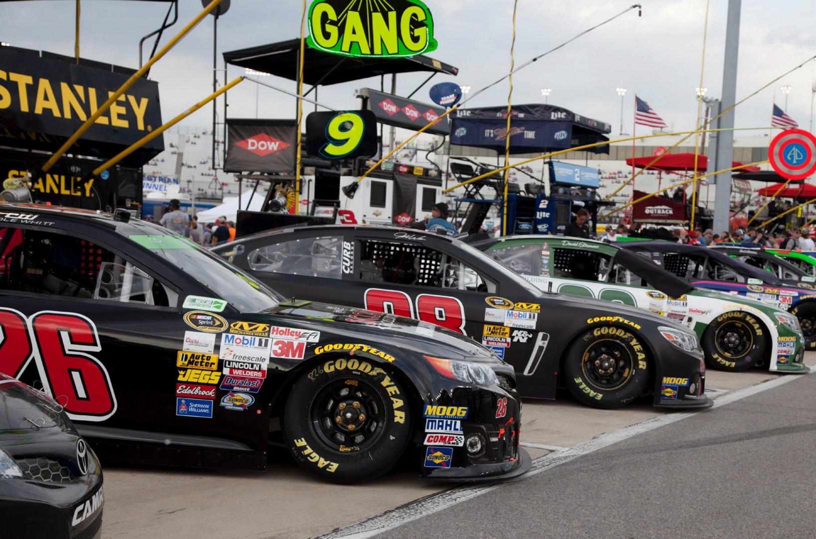 Stock cars Nascar pitlane rij