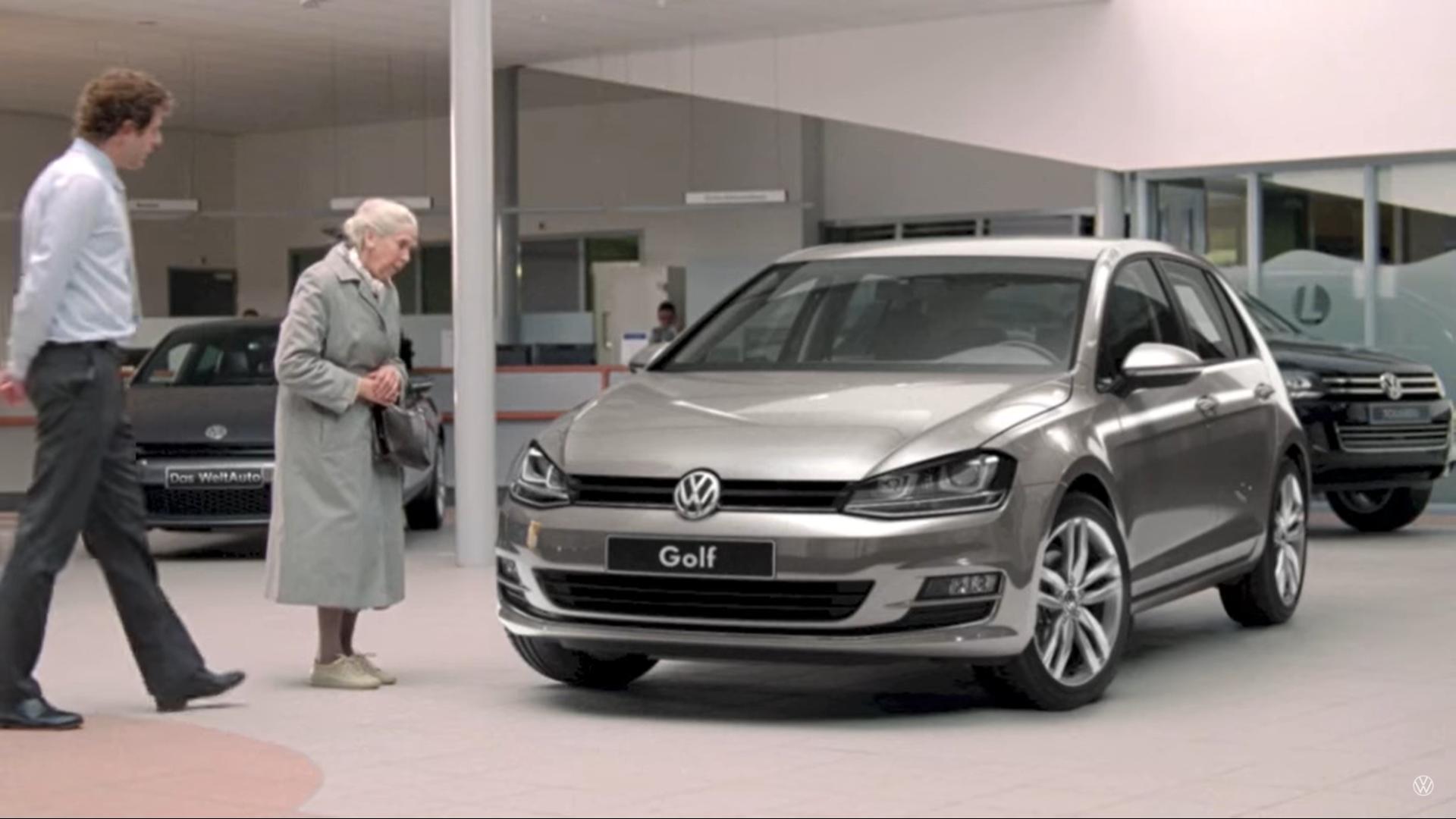 Volkswagen en het oude vrouwtje reclame Golf 7 proefrit