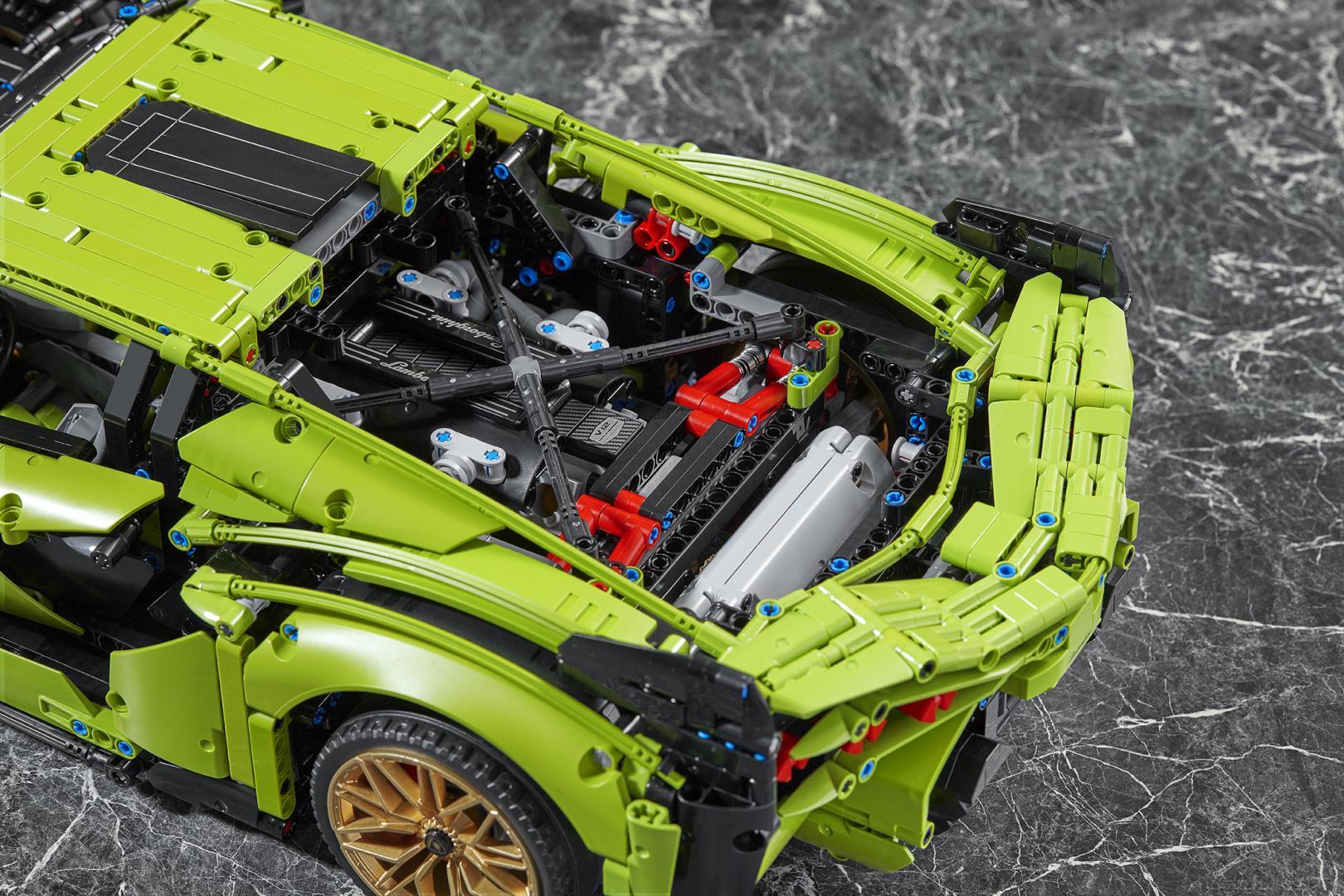 Motor van de Lego Lamborghini Sian