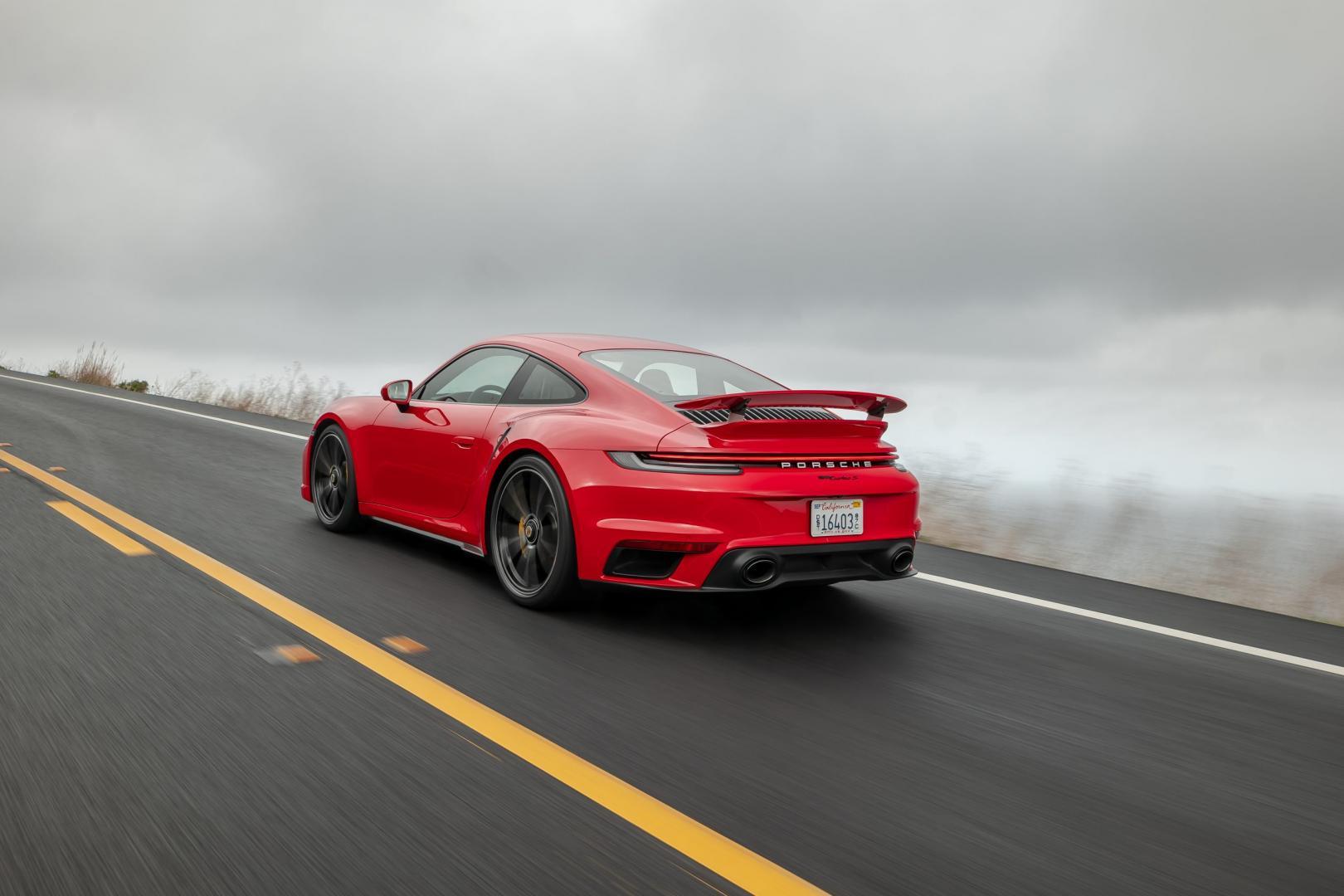 Porsche 911 Turbo S 992 1e test 2020