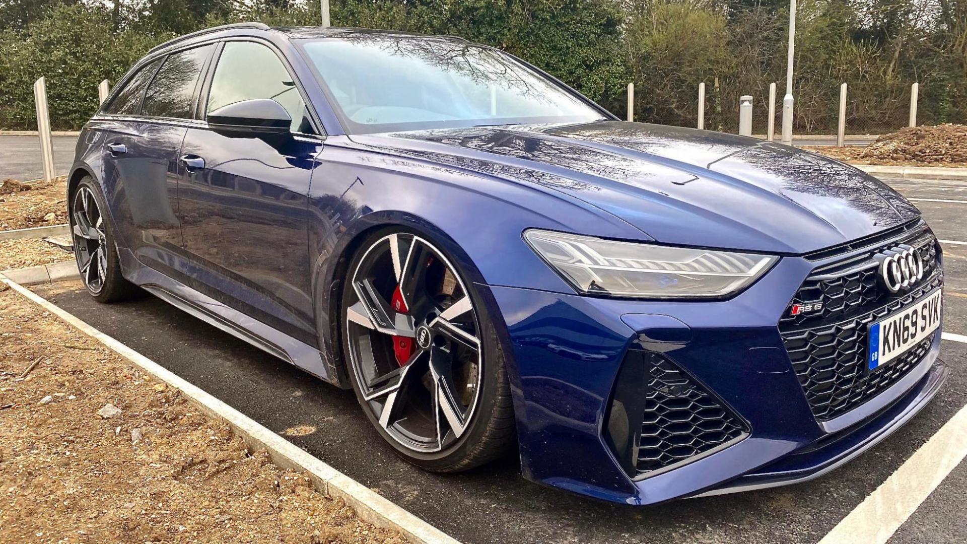 Audi RS 6 C8 niet verlaagd, maar met kapotte luchtvering