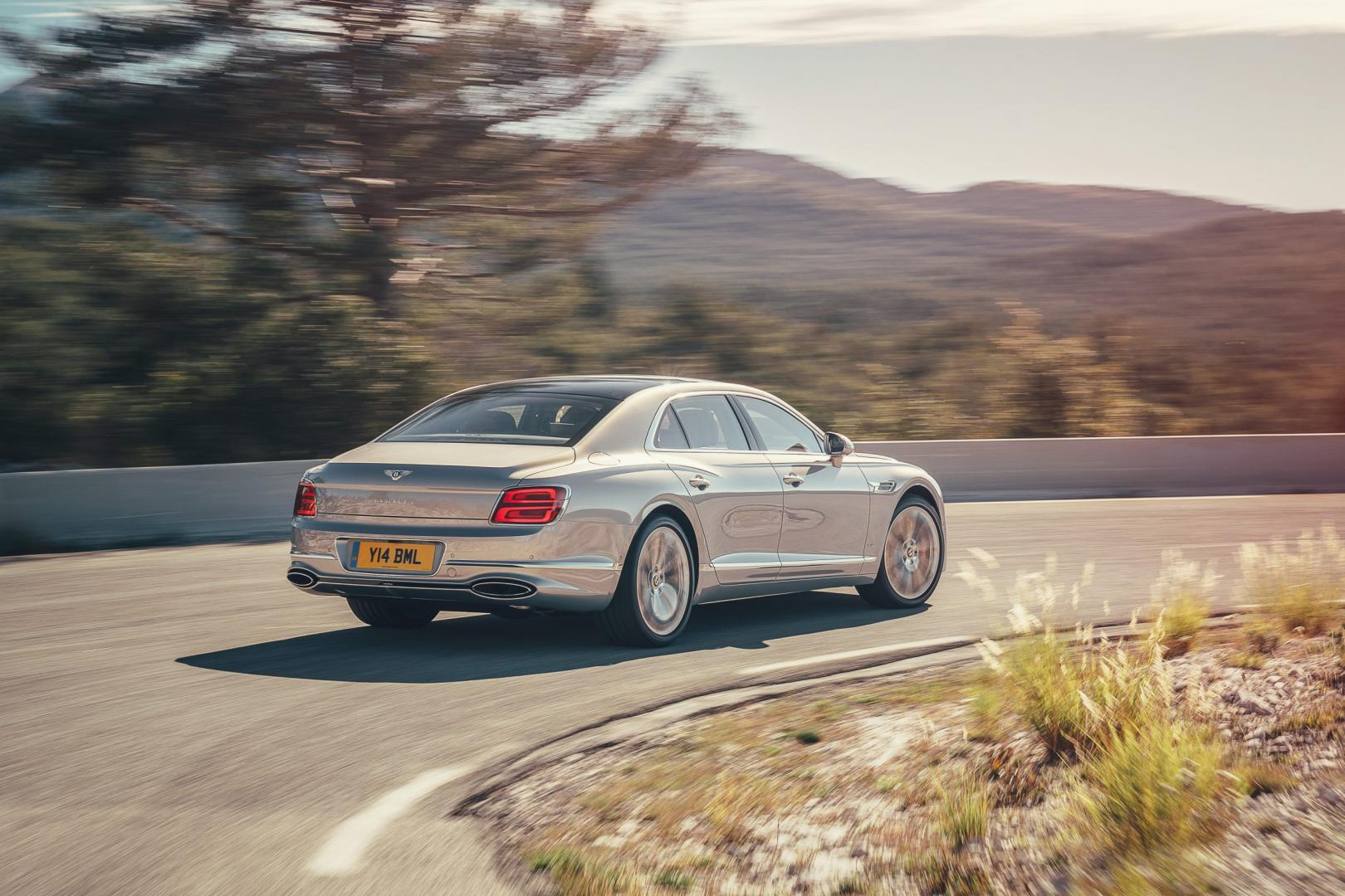 Achterkant Bentley Flying Spur First Edition 2020
