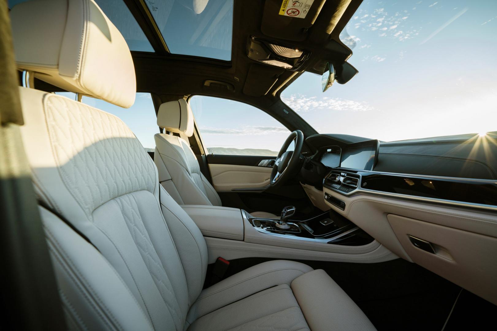 Voorstoelen van de Alpina XB7 (BMW X7)