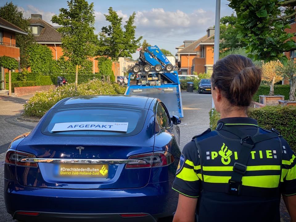 Politie neemt 39 auto's in beslag