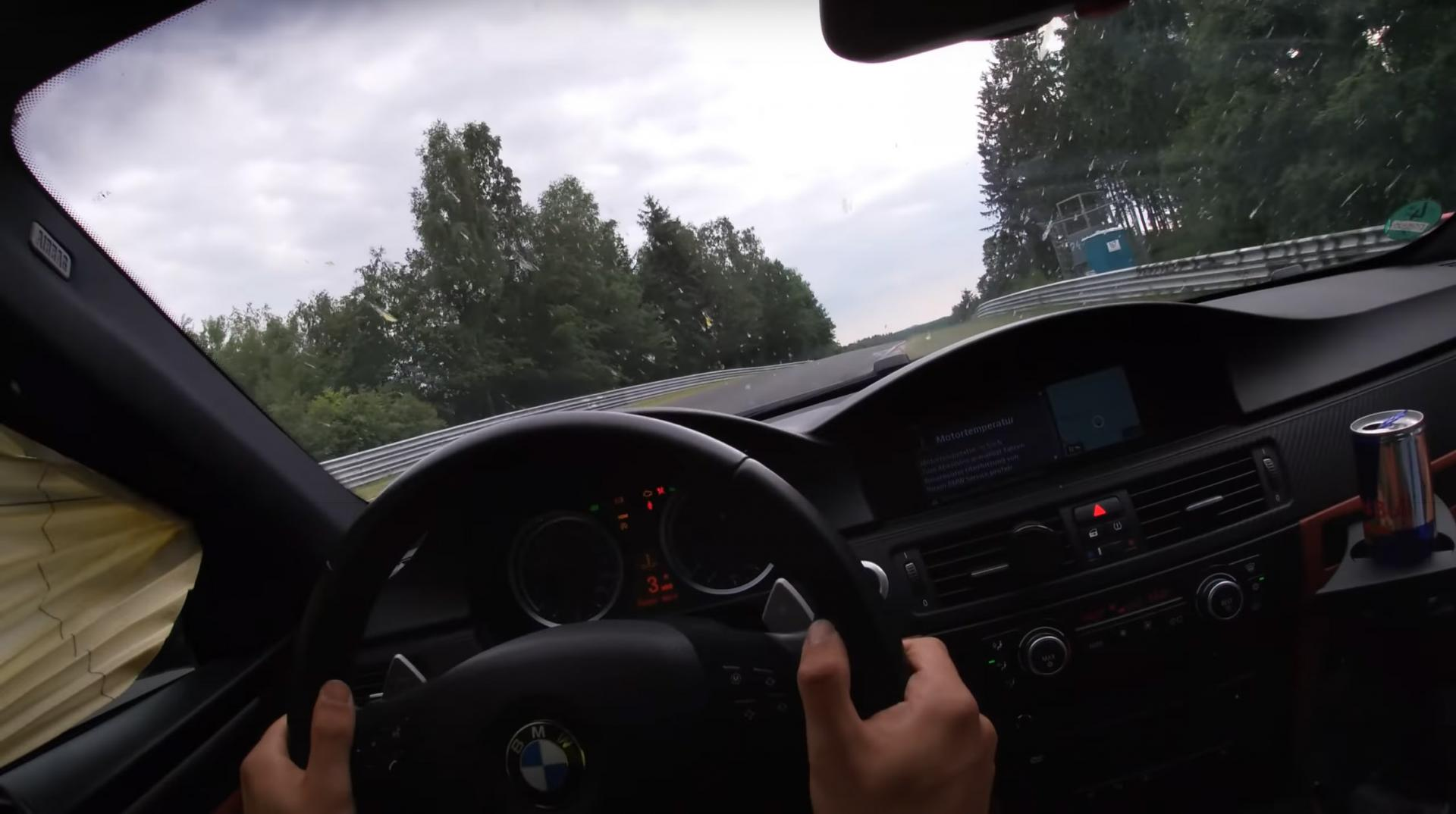 Airbag BMW M3 gaat af in de bocht