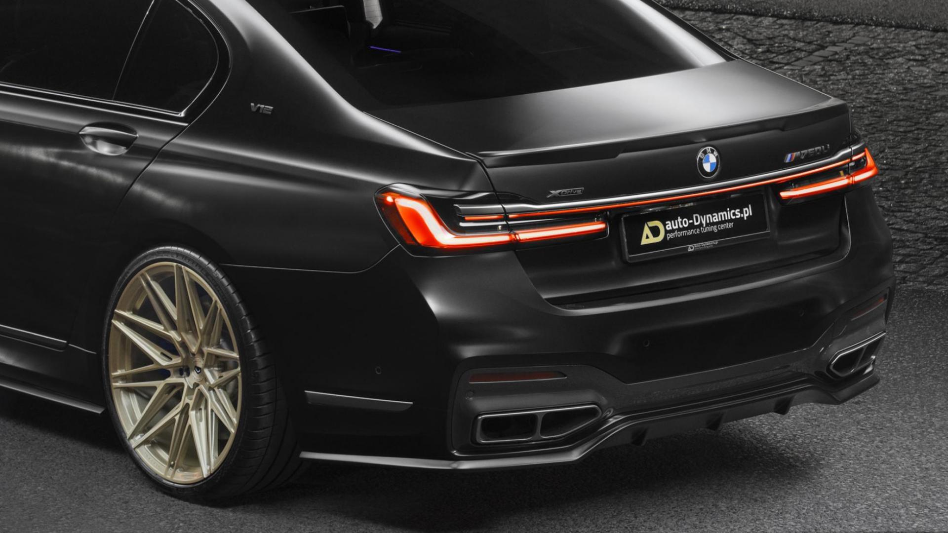 BMW 760Li op gouden velgen van Vossen