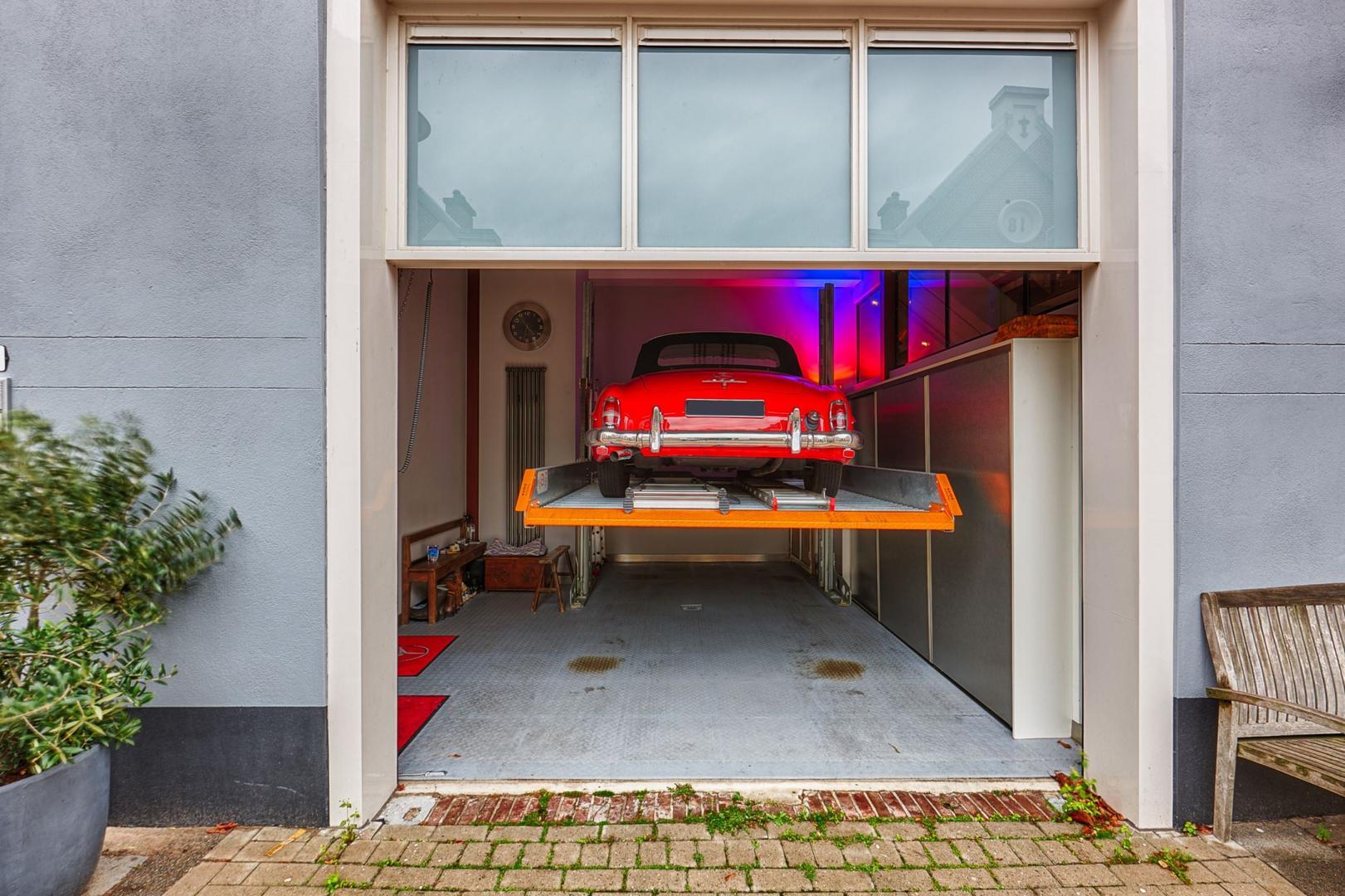 Parkeer de auto in de keuken in dit pand in Den Haag